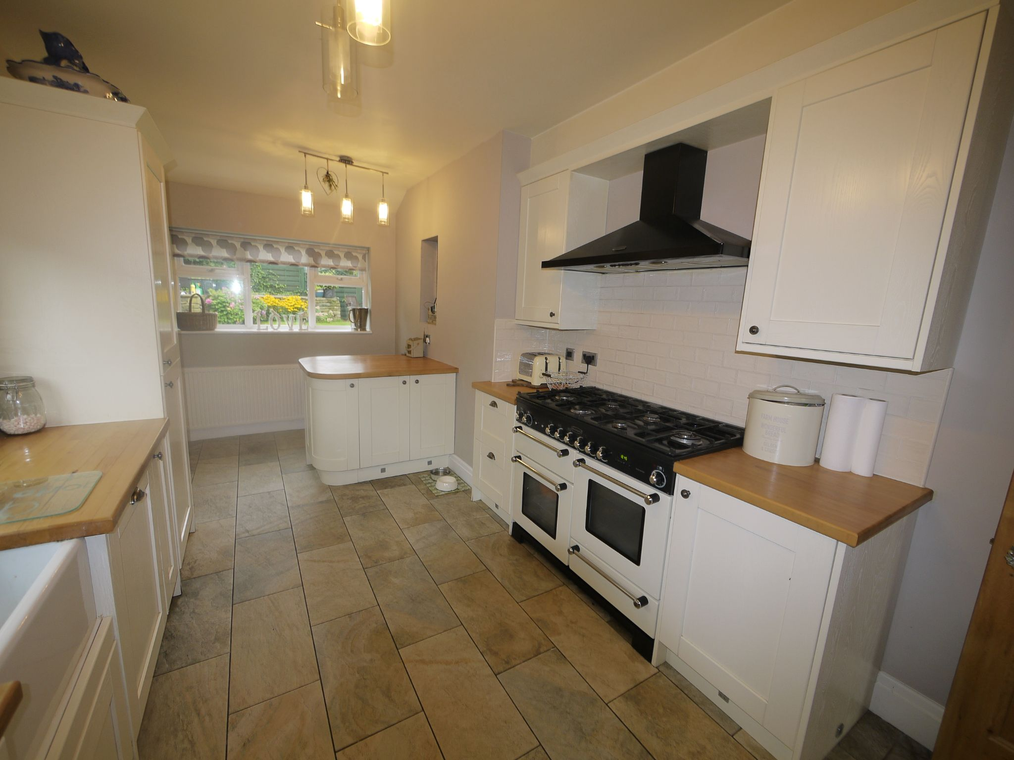 4 bedroom semi-detached house SSTC in Halifax - Kitchen 2.