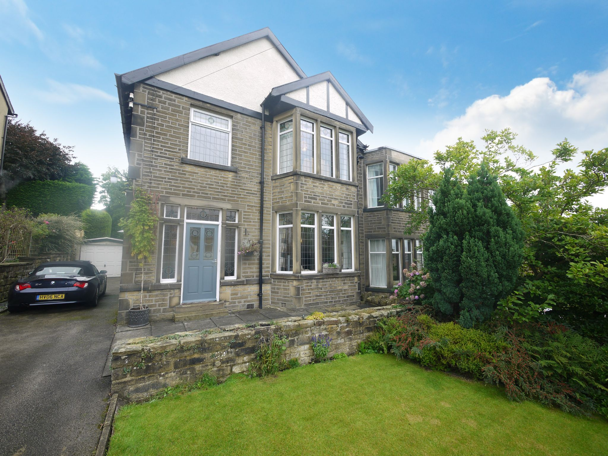 4 bedroom semi-detached house SSTC in Halifax - Main.