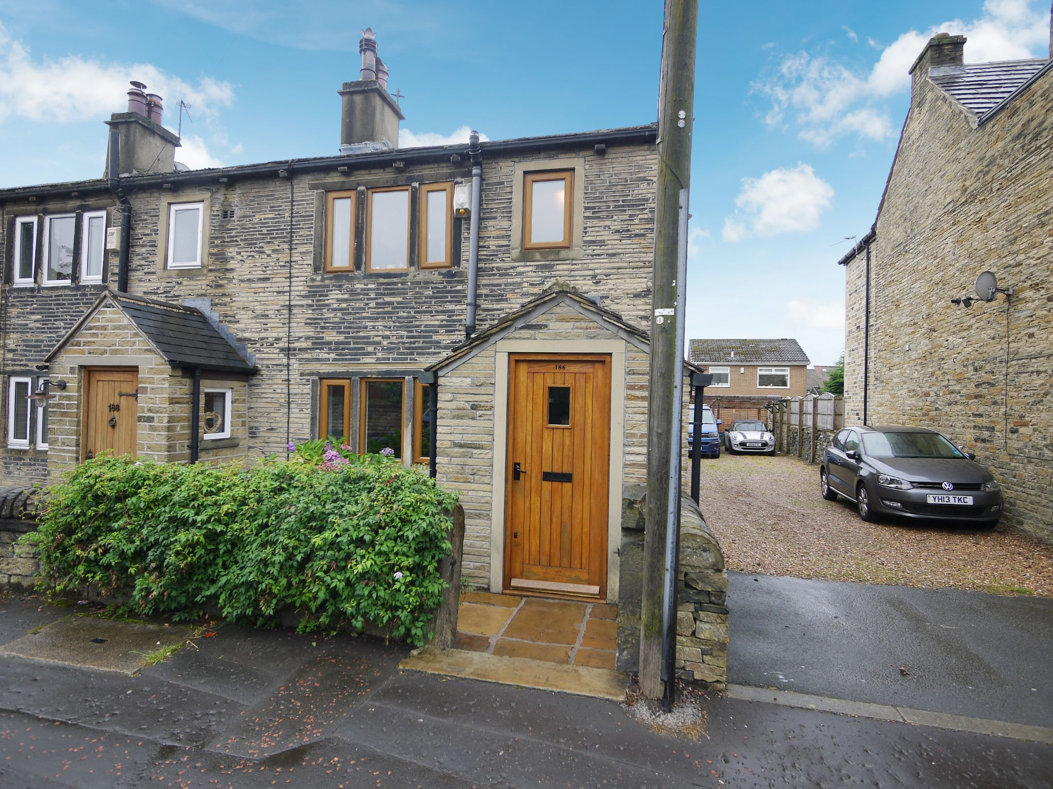 3 bedroom cottage house SSTC in Calderdale - Photograph 3.