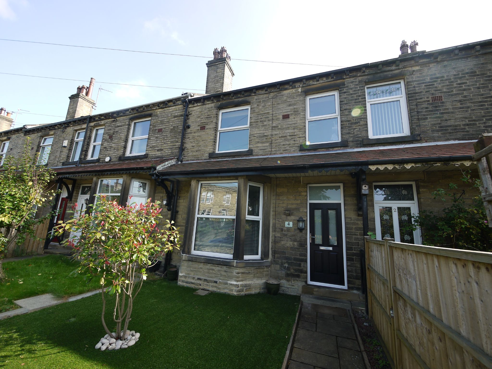 3 bedroom mid terraced house SSTC in Brighouse - Main.