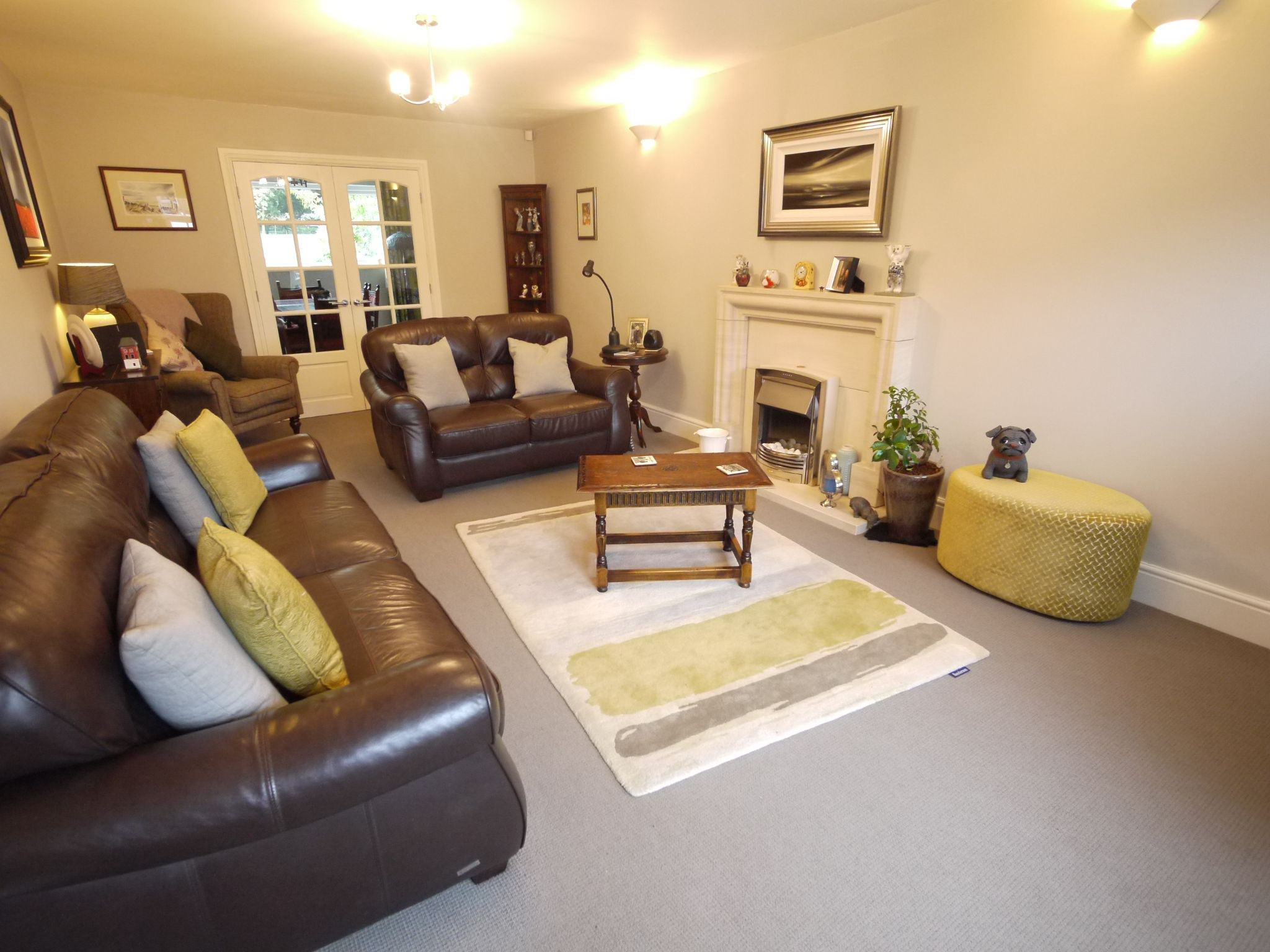 6 bedroom detached house SSTC in Halifax - Lounge.