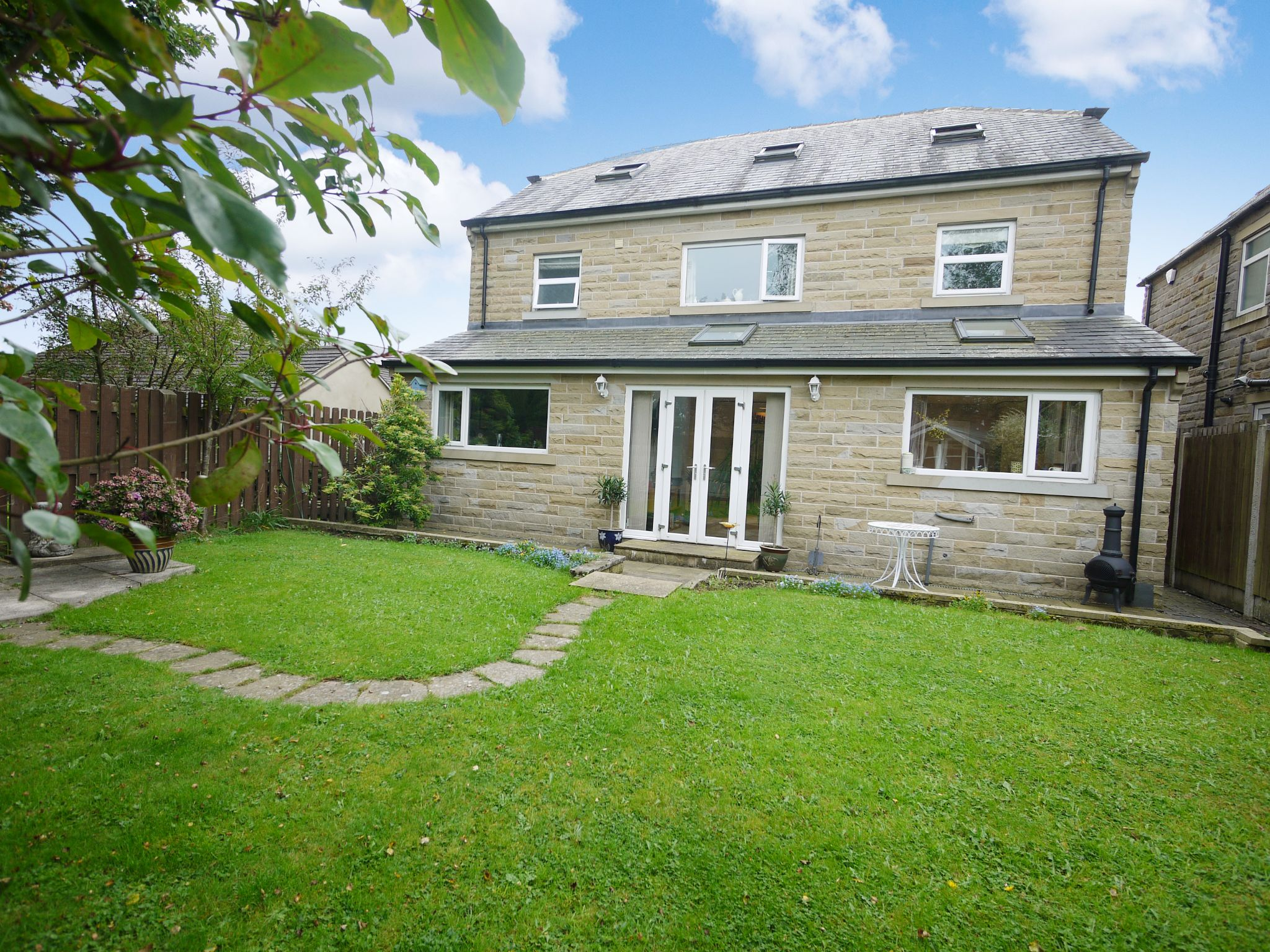 6 bedroom detached house SSTC in Halifax - rear.
