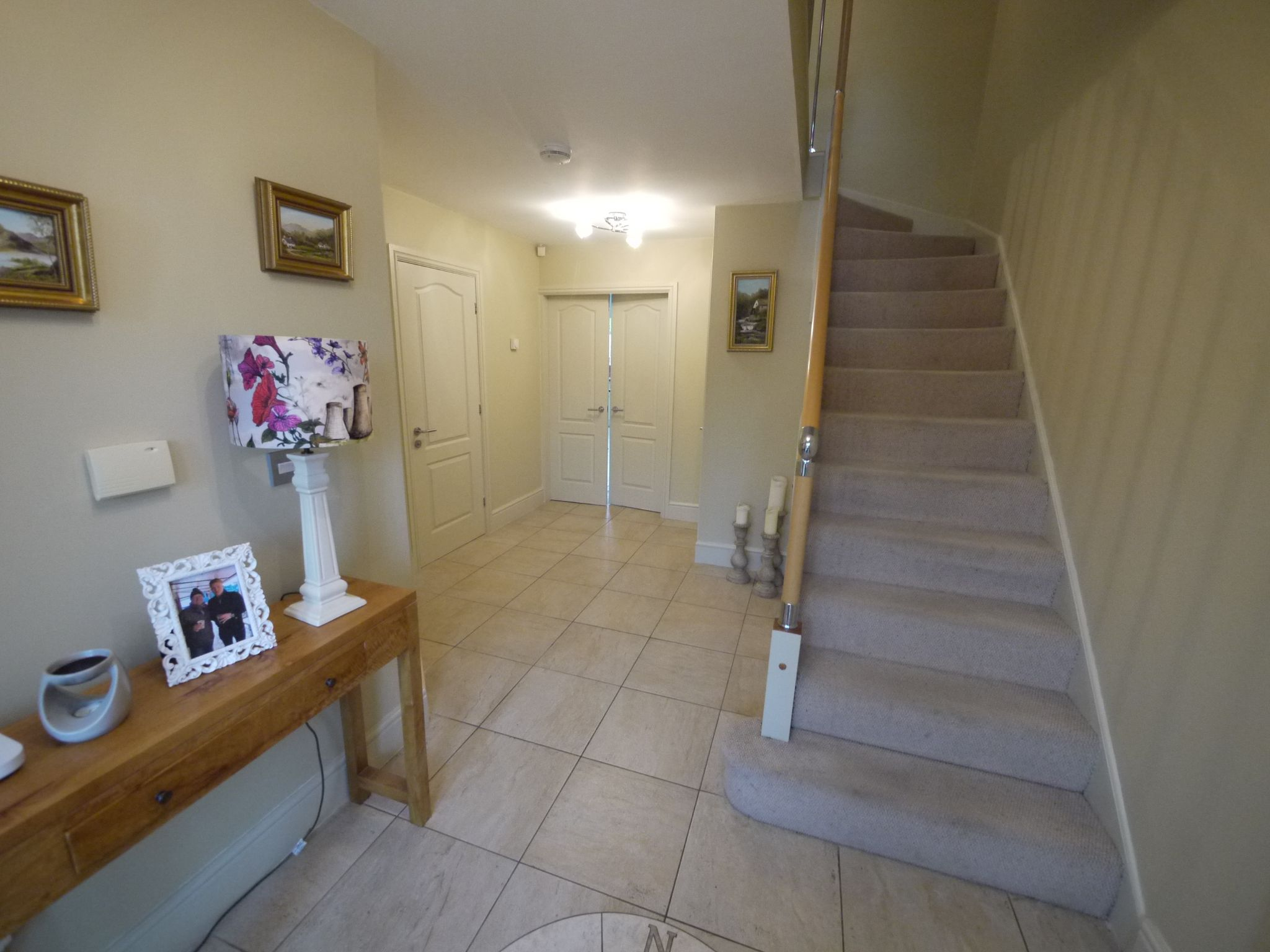 6 bedroom detached house SSTC in Halifax - Hall 3.