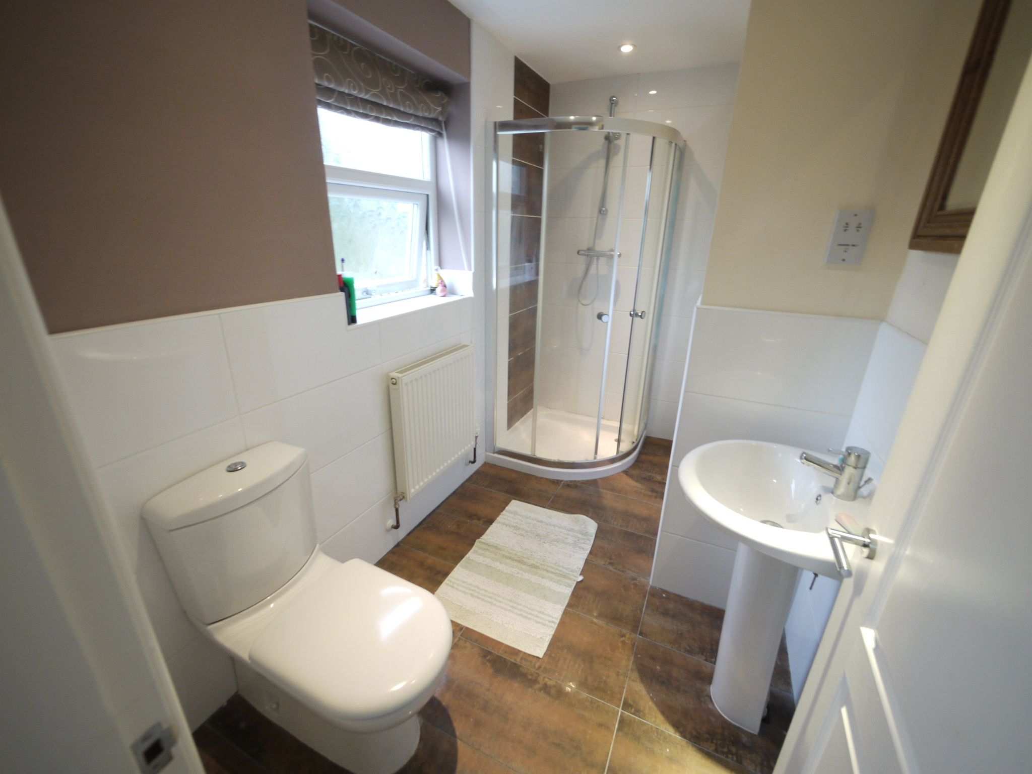6 bedroom detached house SSTC in Halifax - bed 2 ensuite.