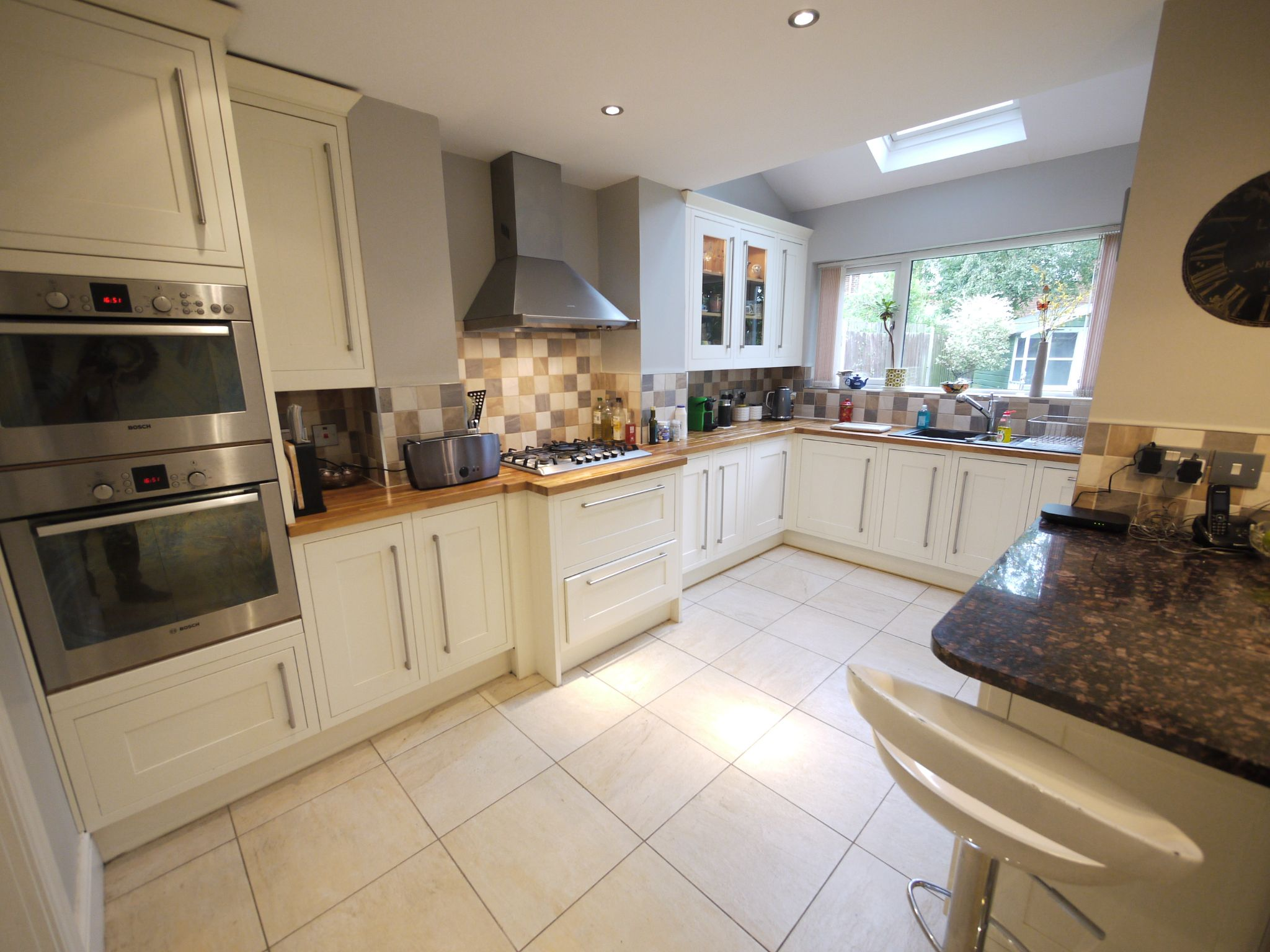 6 bedroom detached house SSTC in Halifax - dining kit 3.