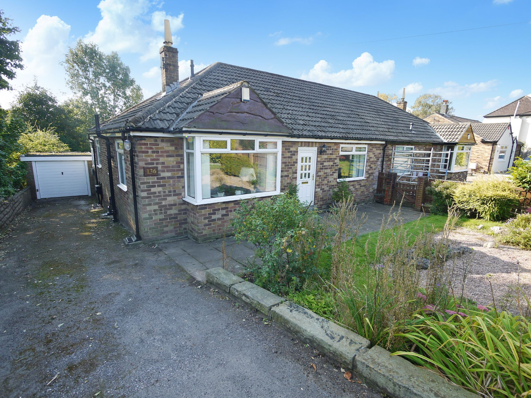 2 bedroom semi-detached bungalow SSTC in Halifax - Photograph 3.