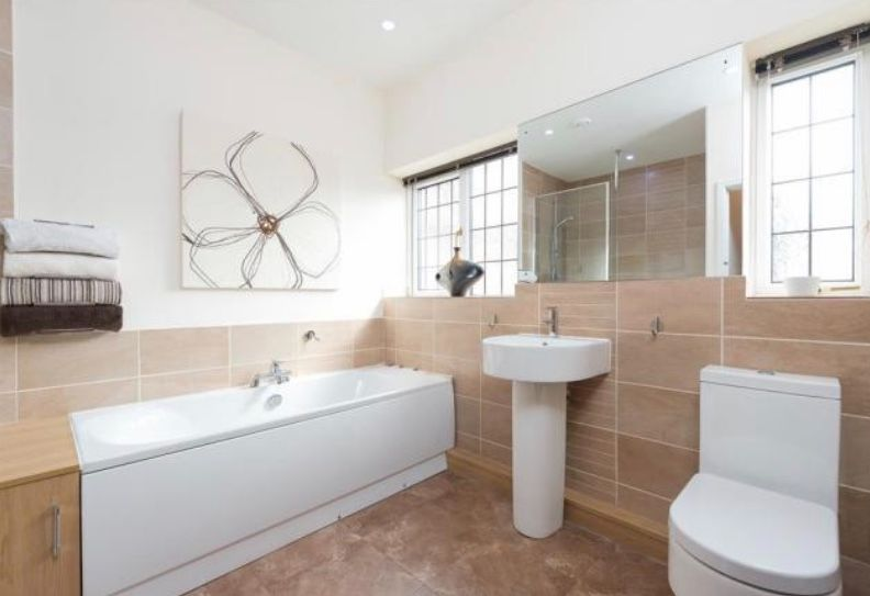 6 bedroom detached house For Sale in Huddersfield - Main bathroom.