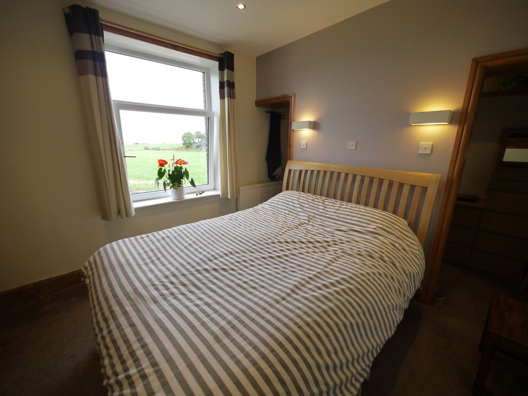 1 bedroom mid terraced house For Sale in Elland - Bed 1.