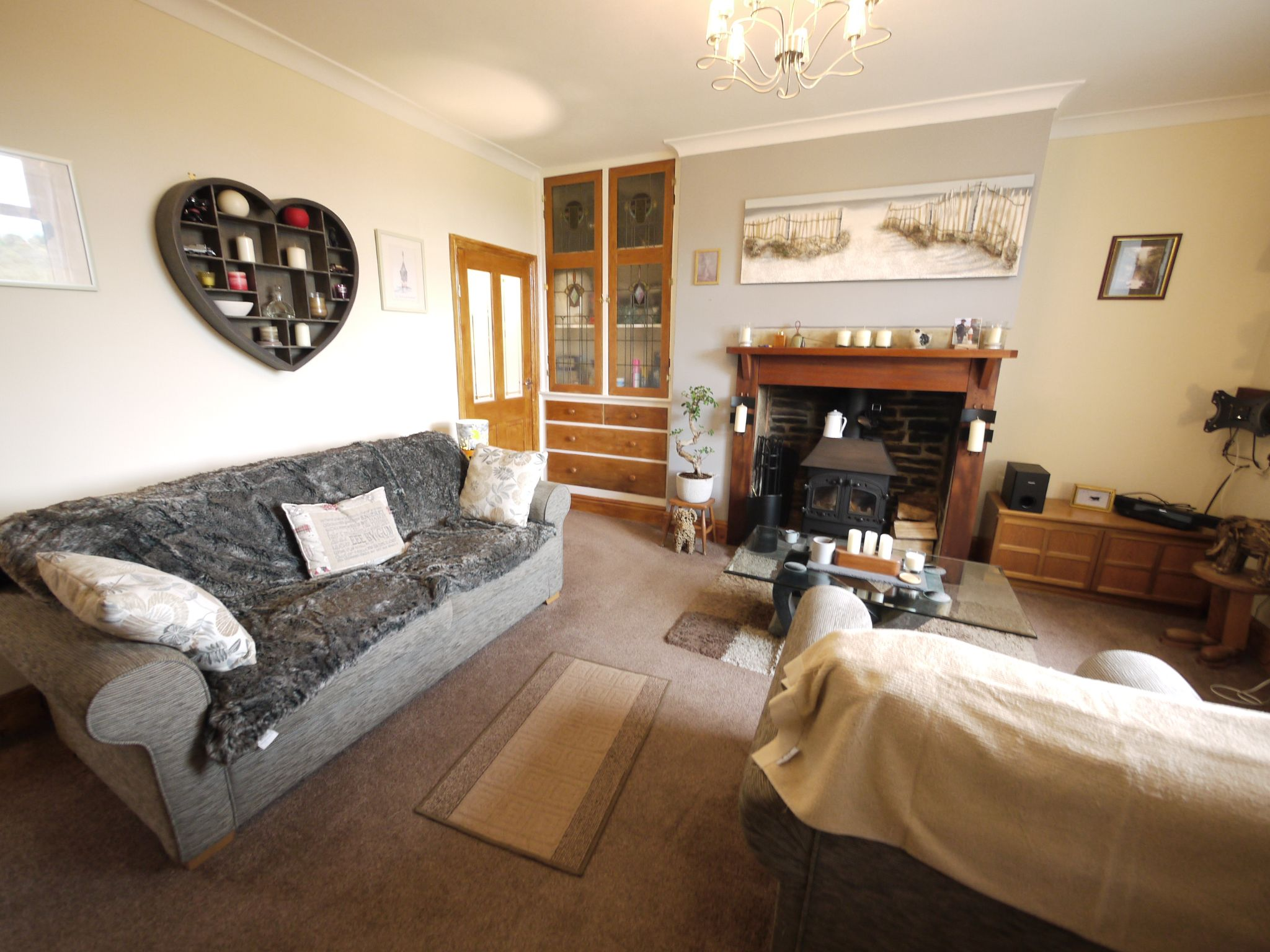 1 bedroom mid terraced house For Sale in Elland - Lounge 2.