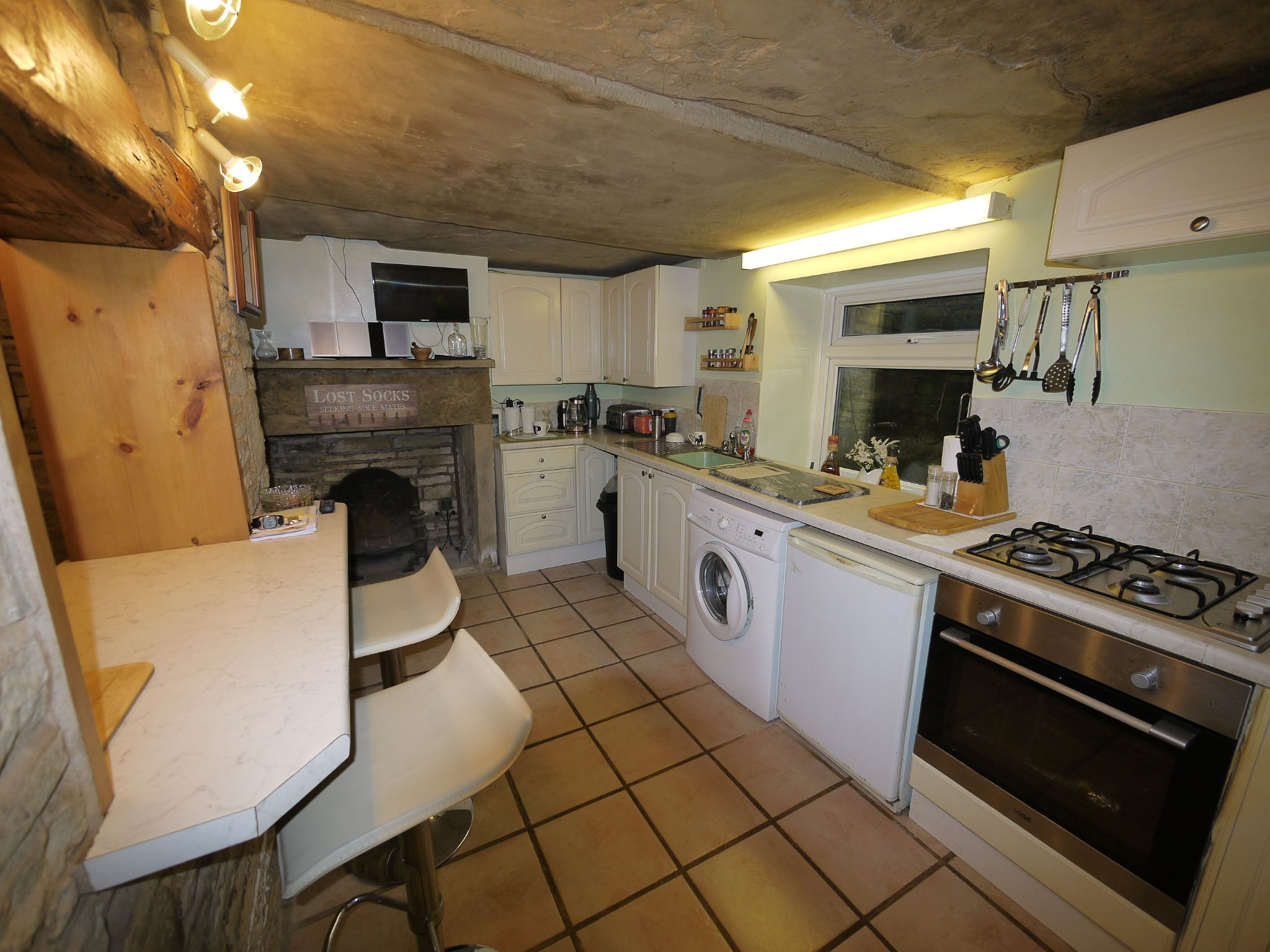 1 bedroom mid terraced house For Sale in Elland - Kitchen.