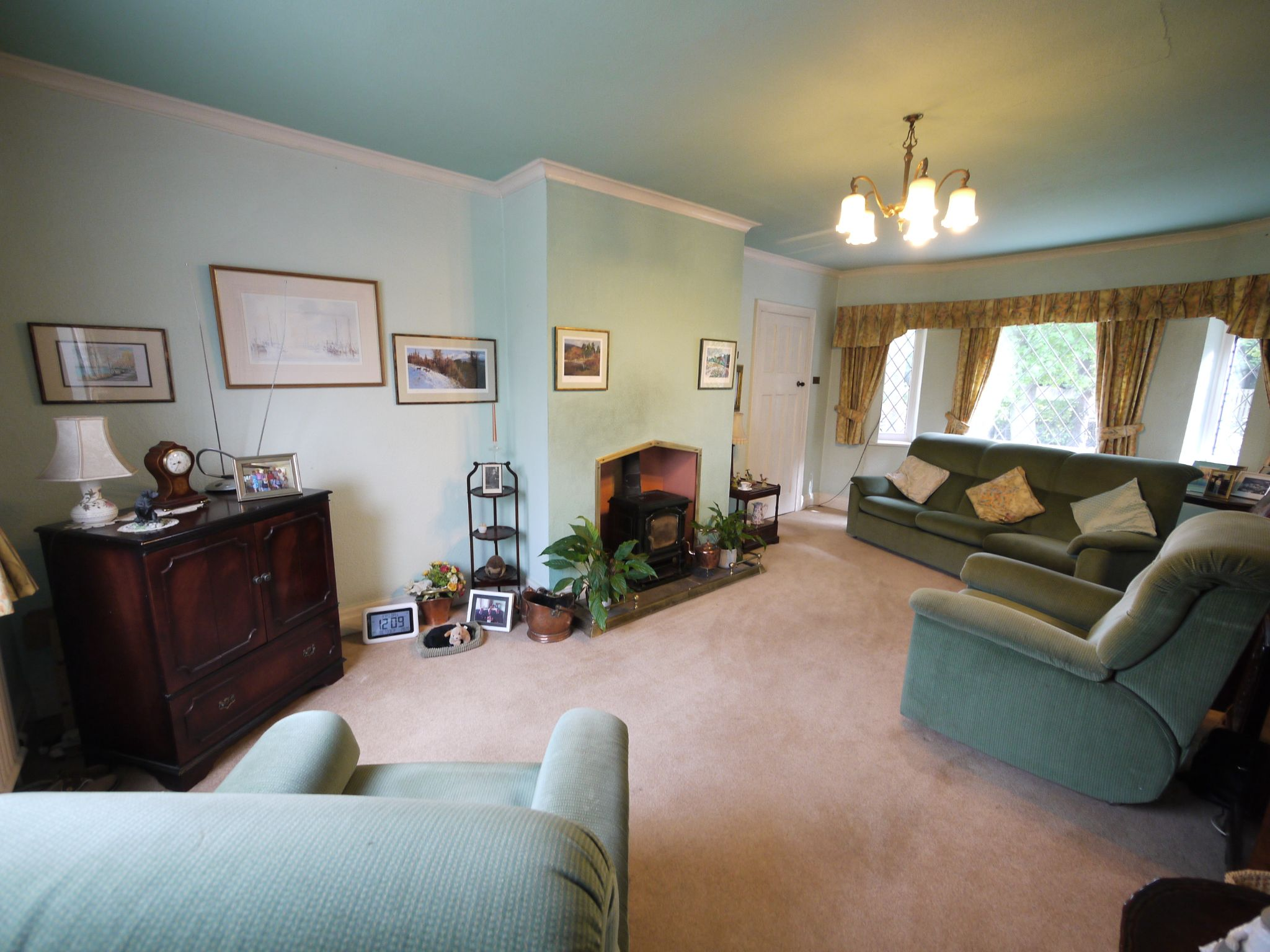 3 bedroom detached house SSTC in Brighouse - Lounge 2.