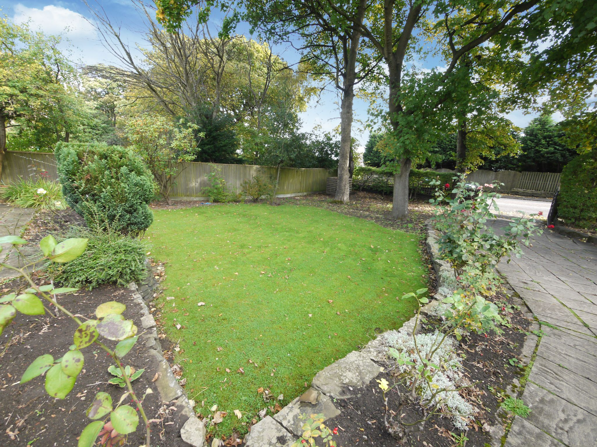 3 bedroom detached house SSTC in Brighouse - Front garden.