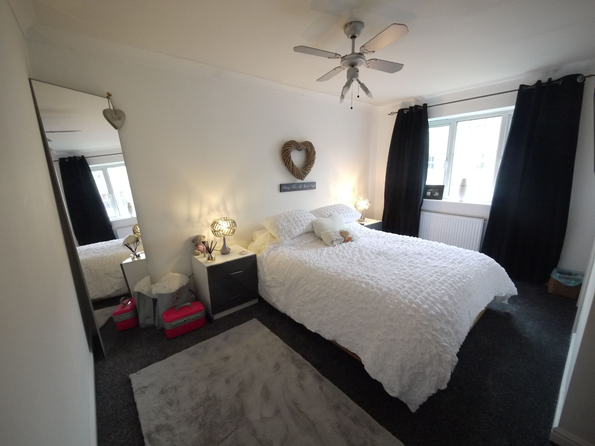 4 bedroom detached house SSTC in Brighouse - Master Bedroom.