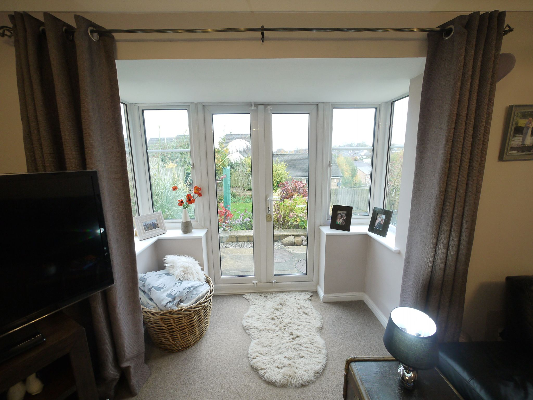 4 bedroom detached house SSTC in Brighouse - Lounge3.