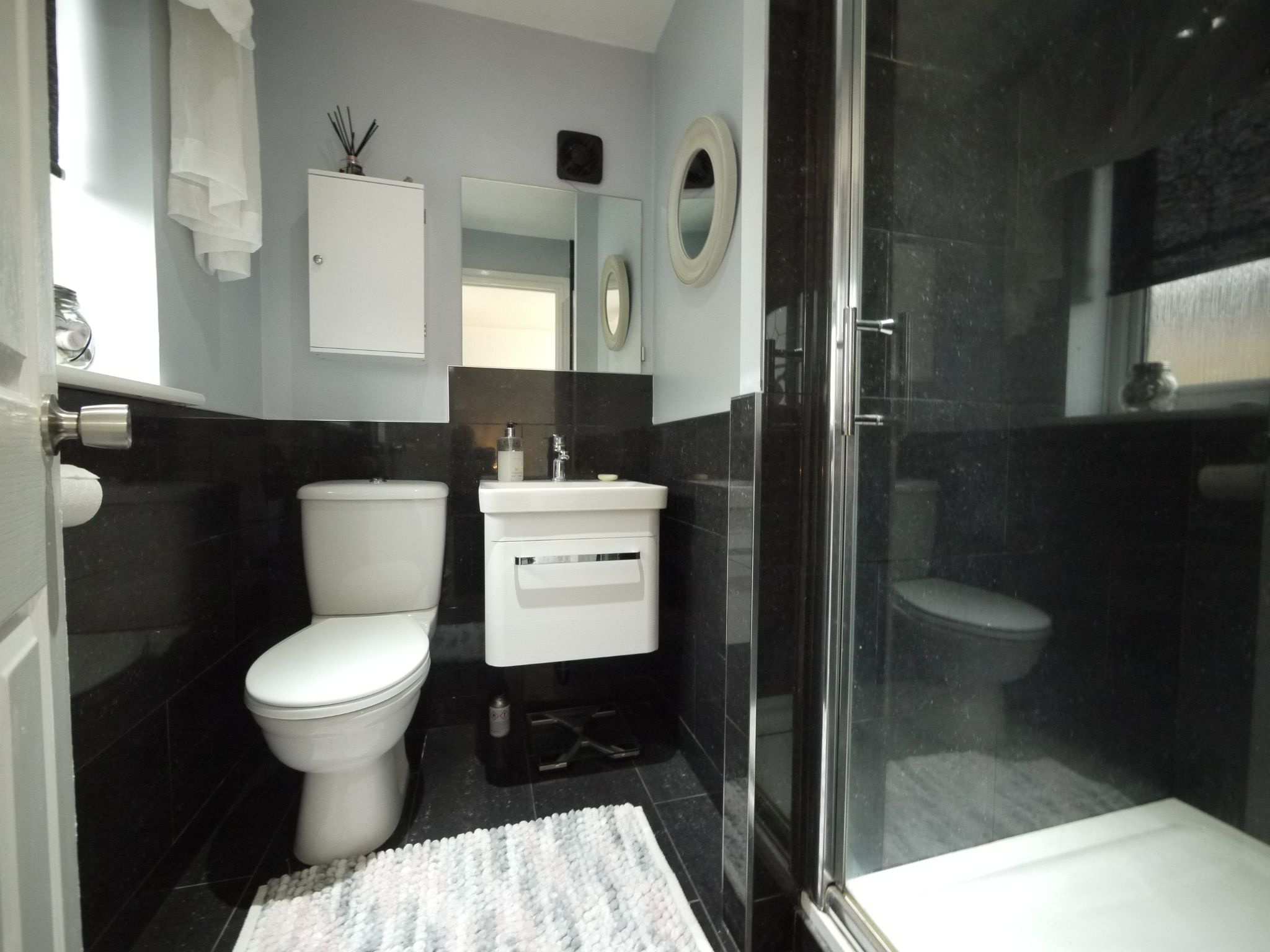 4 bedroom detached house SSTC in Brighouse - Ensuite.