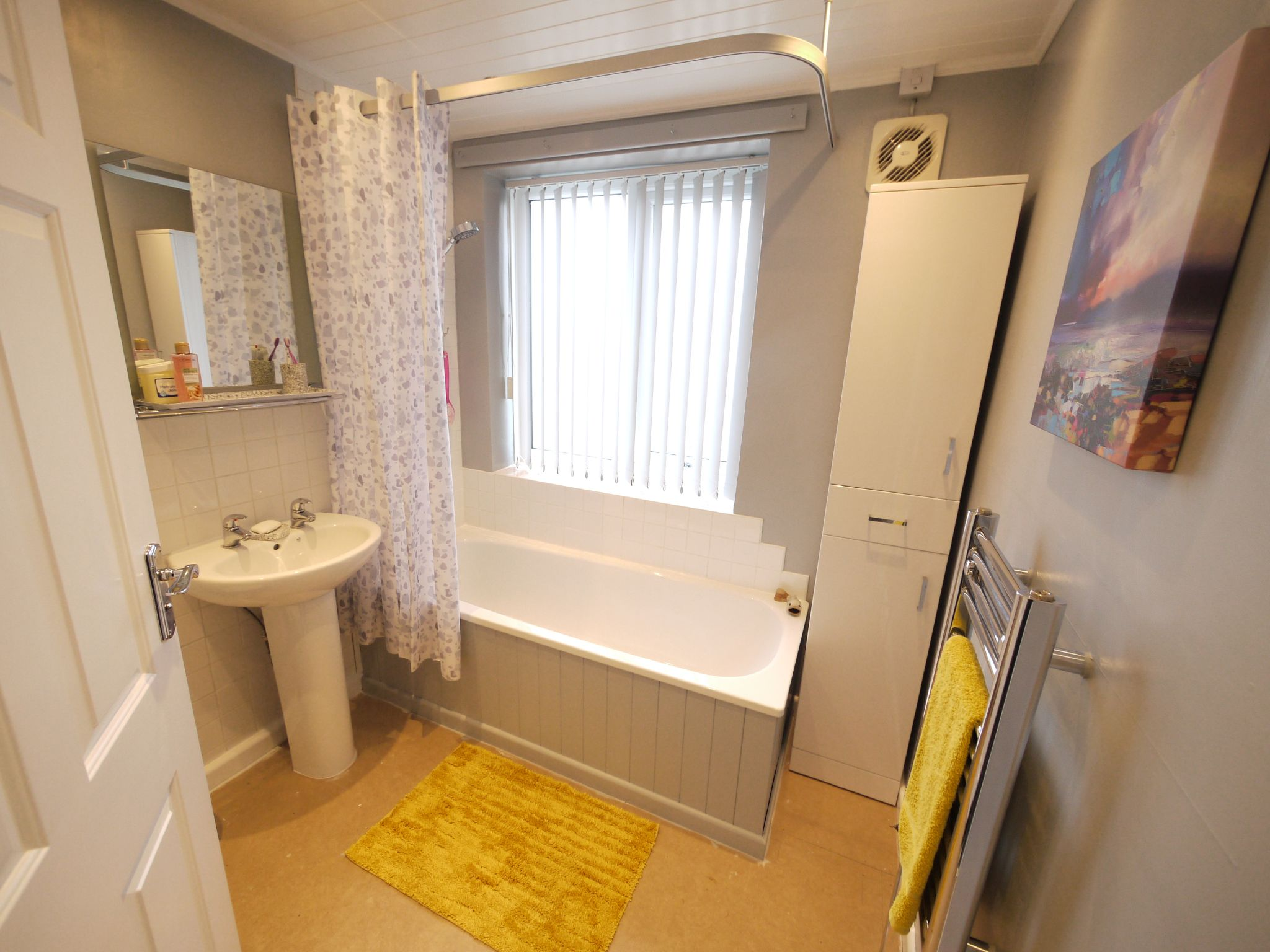 3 bedroom semi-detached house SSTC in Brighouse - Bathroom.