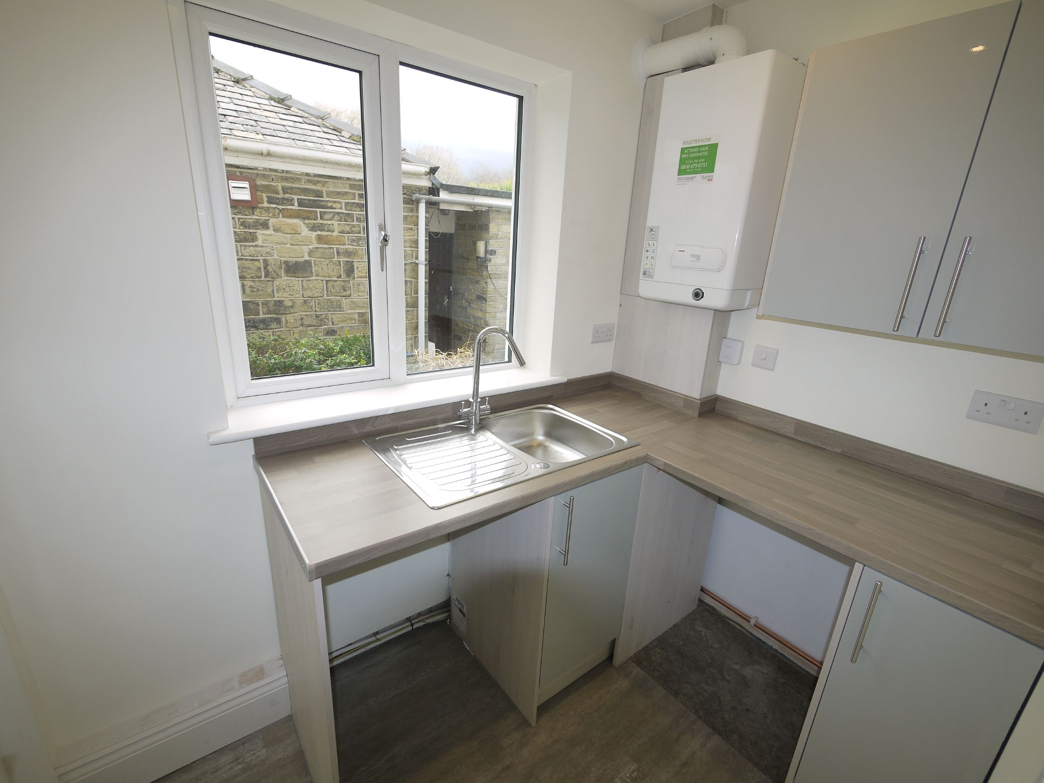 3 bedroom end terraced house SSTC in Brighouse - Utility room.