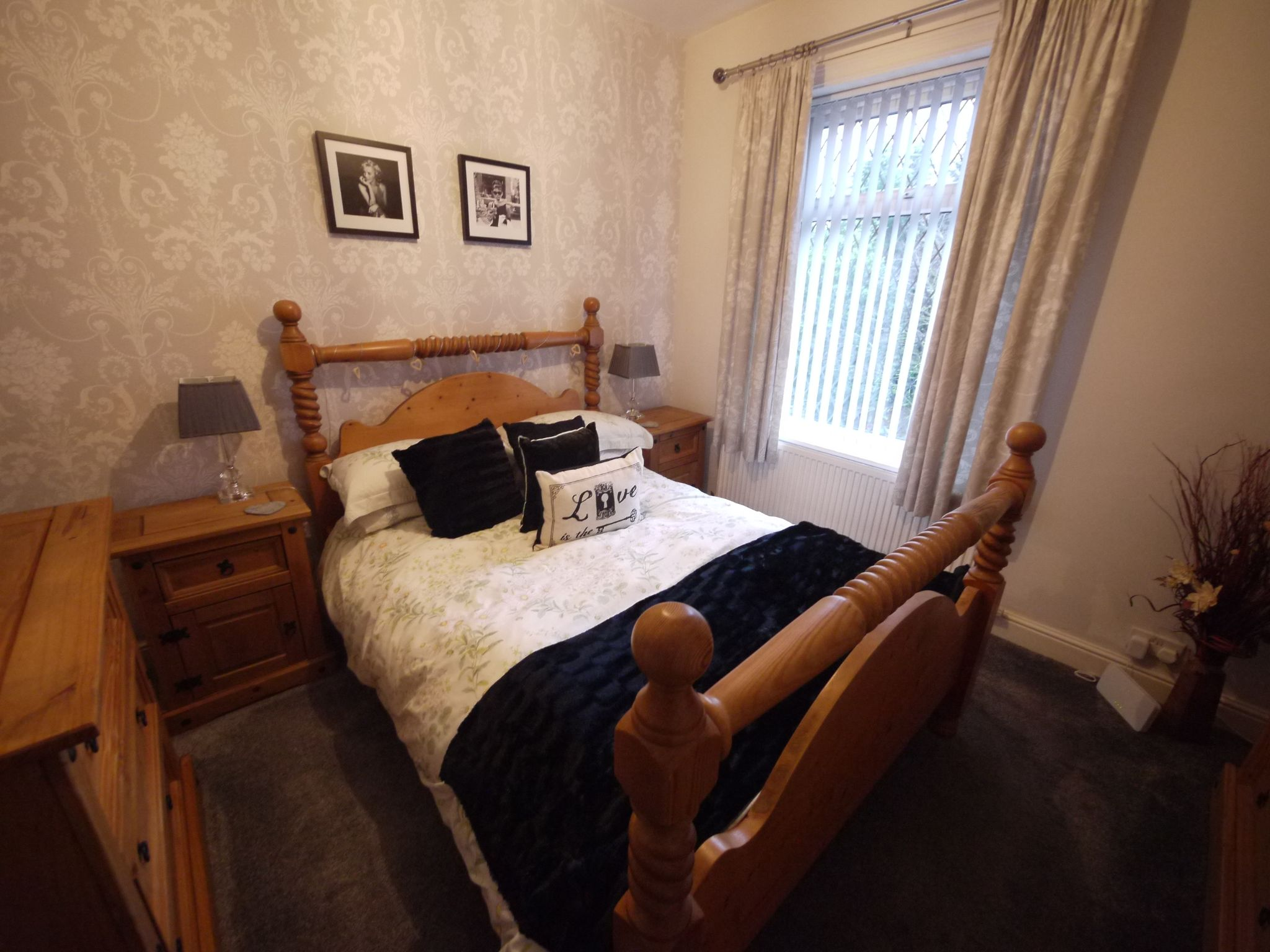 3 bedroom semi-detached house For Sale in Calderdale - Photograph 1.