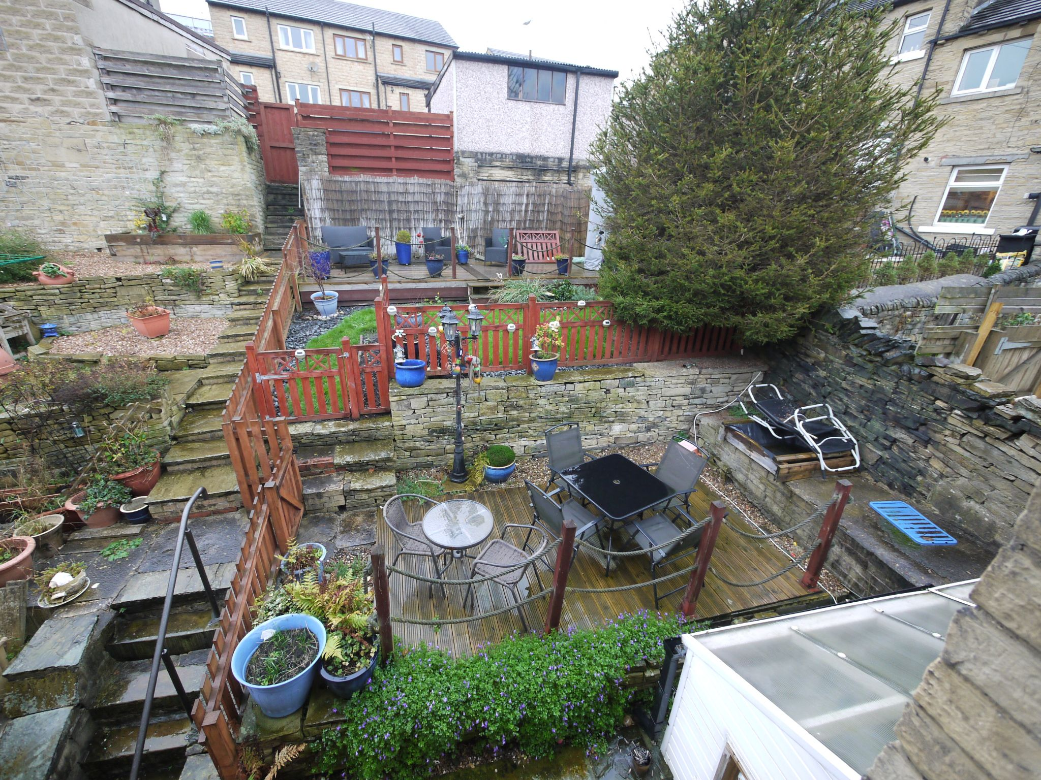 3 bedroom semi-detached house For Sale in Calderdale - Photograph 7.