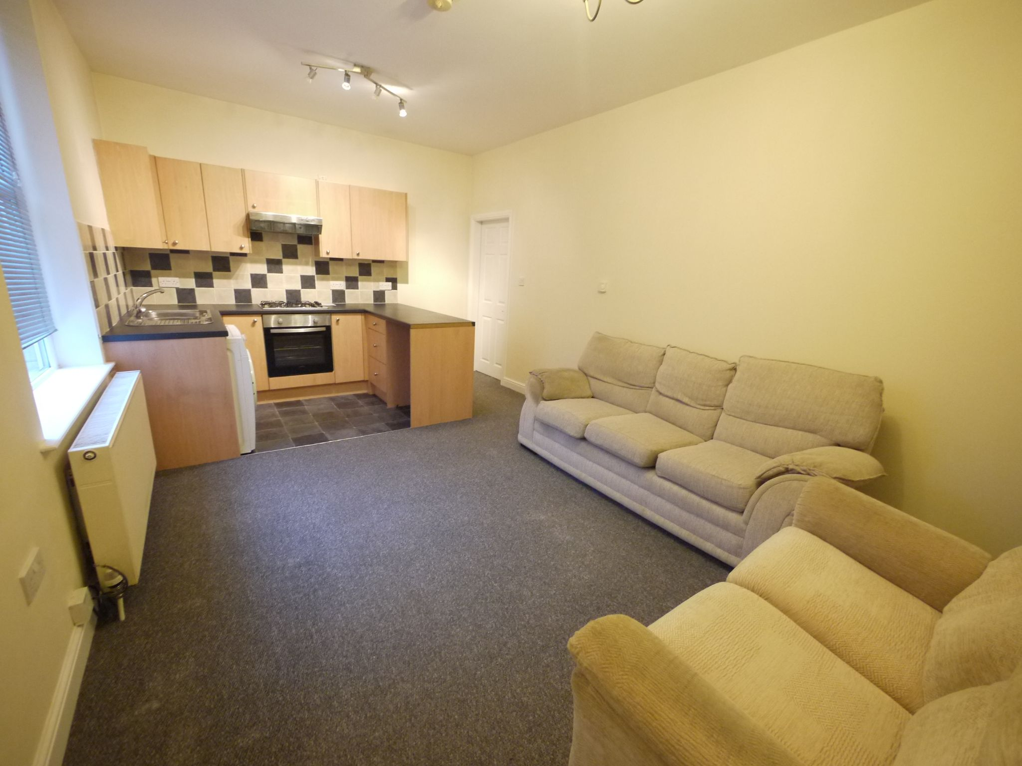 2 bedroom mid terraced house SSTC in Brighouse - Photograph 4.