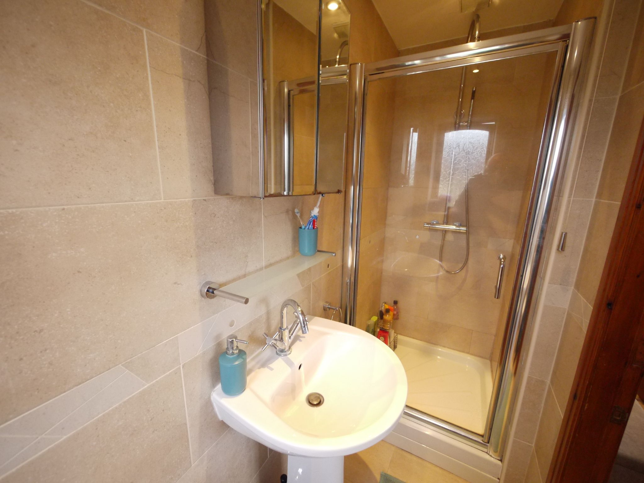 4 bedroom detached house SSTC in Brighouse - Ensuite 2.