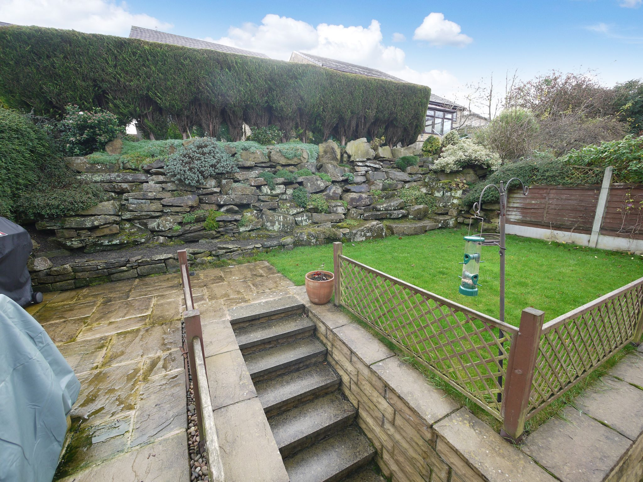 4 bedroom detached house SSTC in Brighouse - Garden.