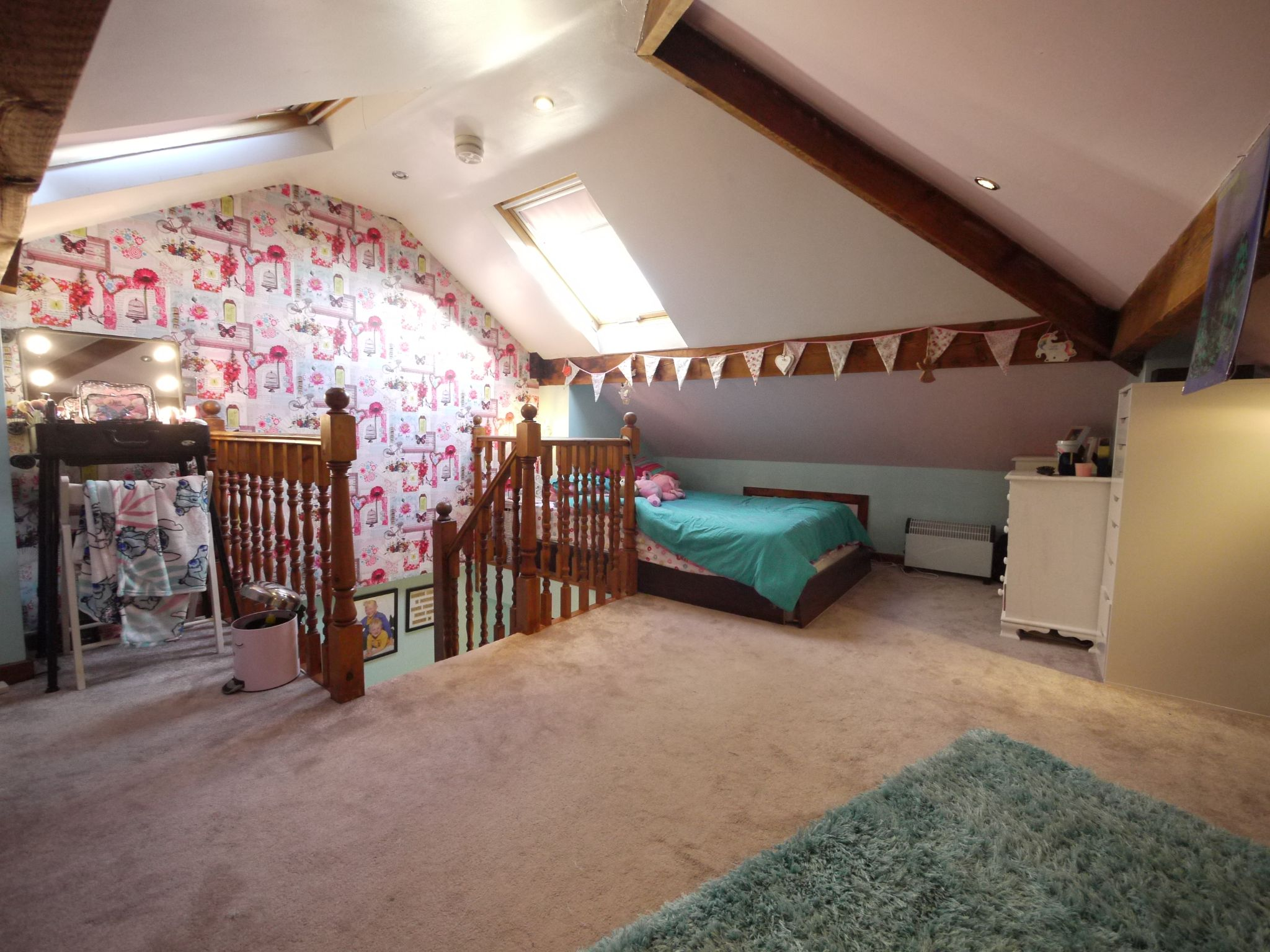 4 bedroom semi-detached house SSTC in Brighouse - Photograph 4.