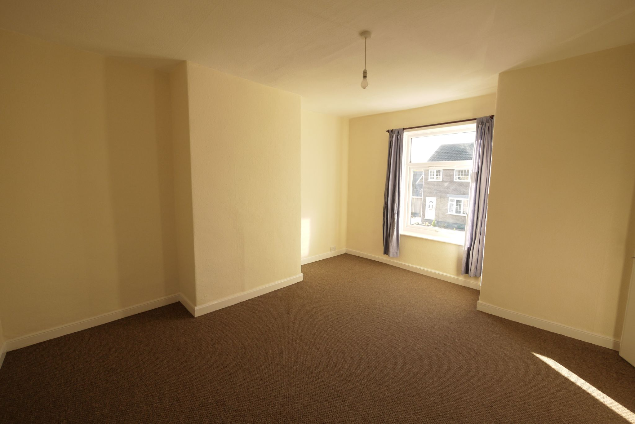 1 bedroom mid terraced house Let in Brighouse - Bedroom.