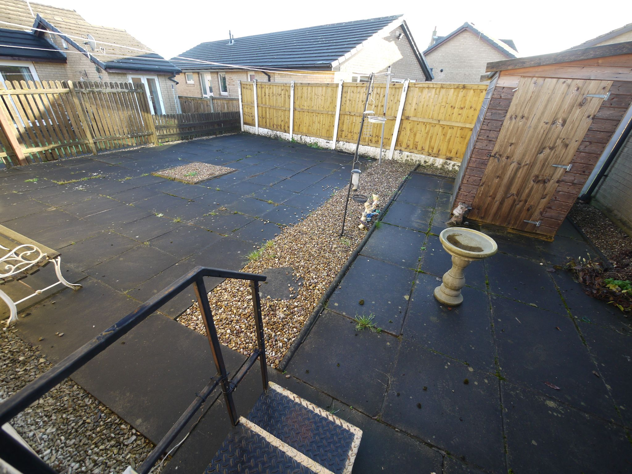 2 bedroom detached bungalow SSTC in Brighouse - Garden.