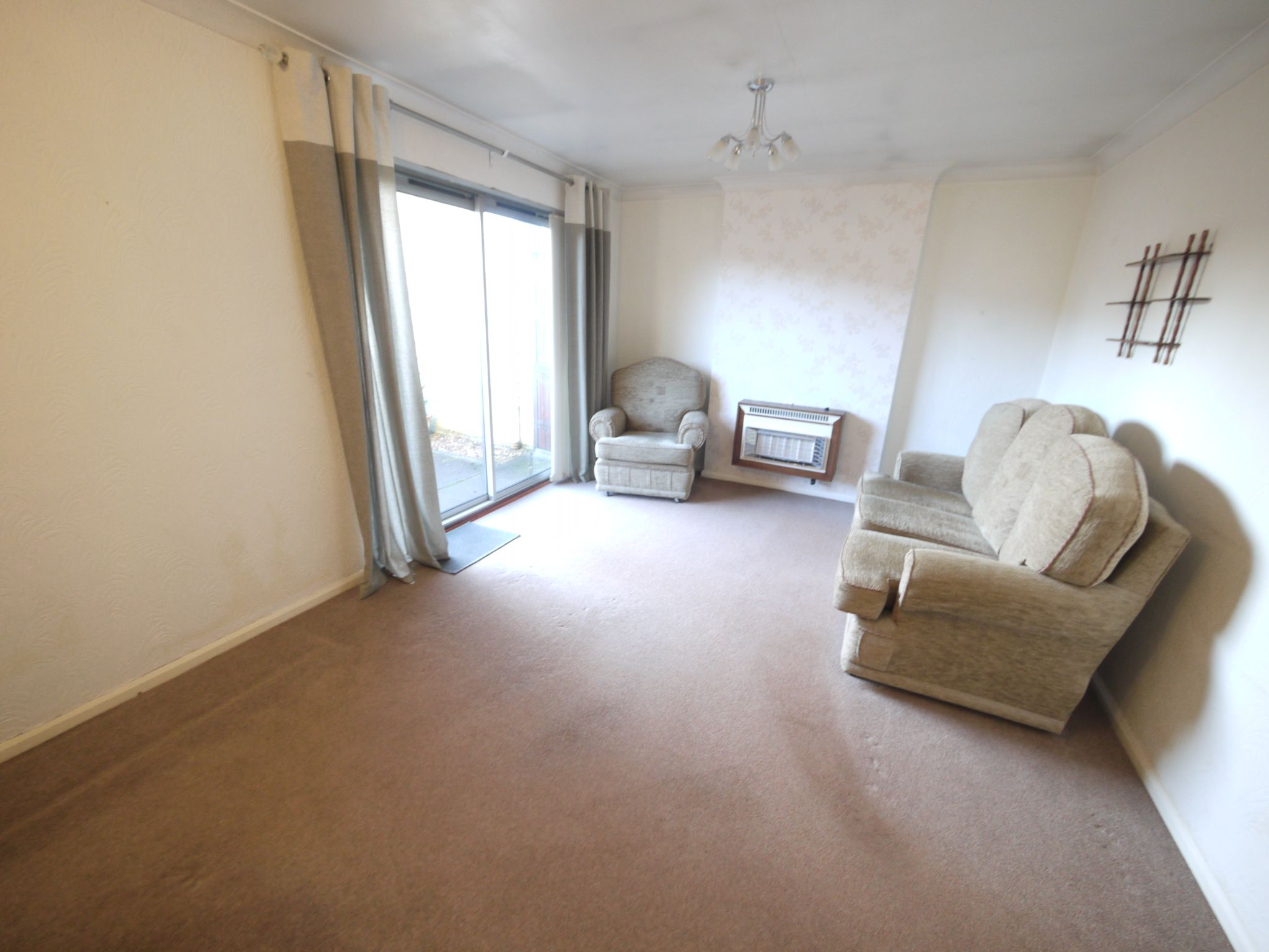 2 bedroom detached bungalow SSTC in Brighouse - Lounge.
