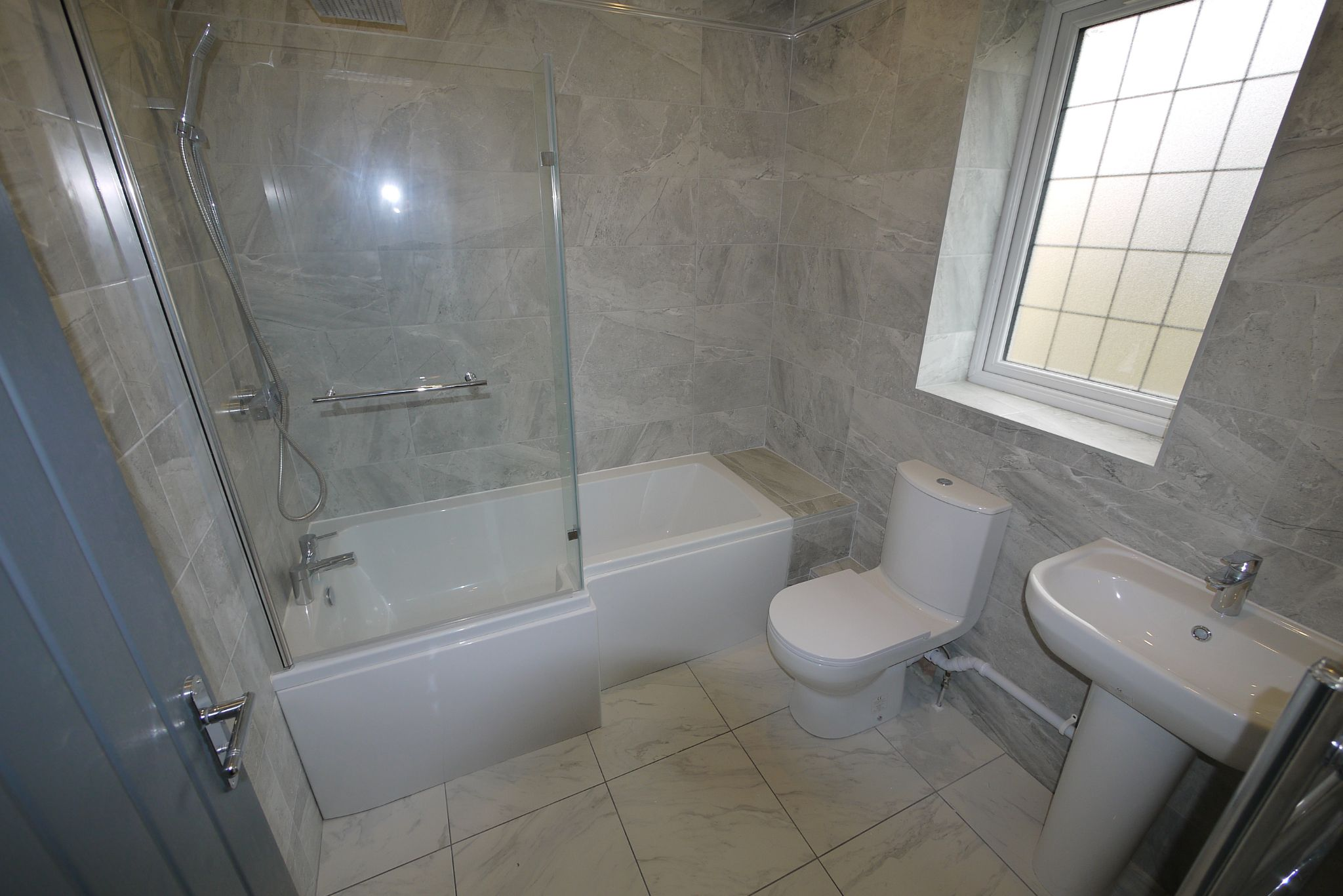 4 bedroom detached house SSTC in Brighouse - Photograph 10.