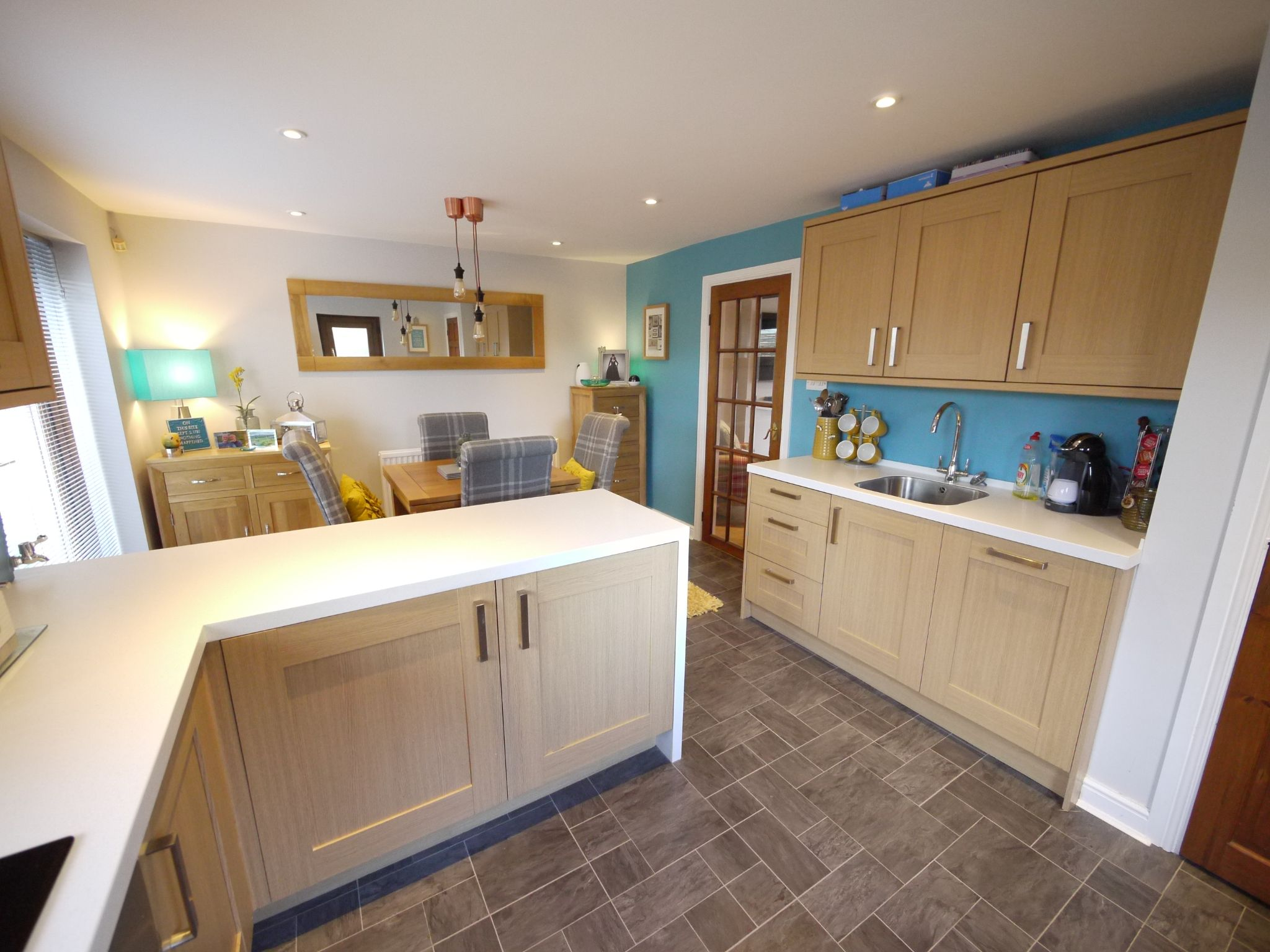 3 bedroom detached house SSTC in Brighouse - Photograph 9.