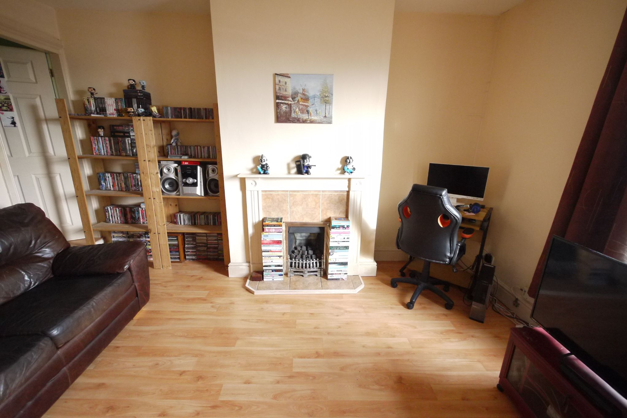 1 bedroom end terraced house SSTC in Brighouse - Photograph 2.