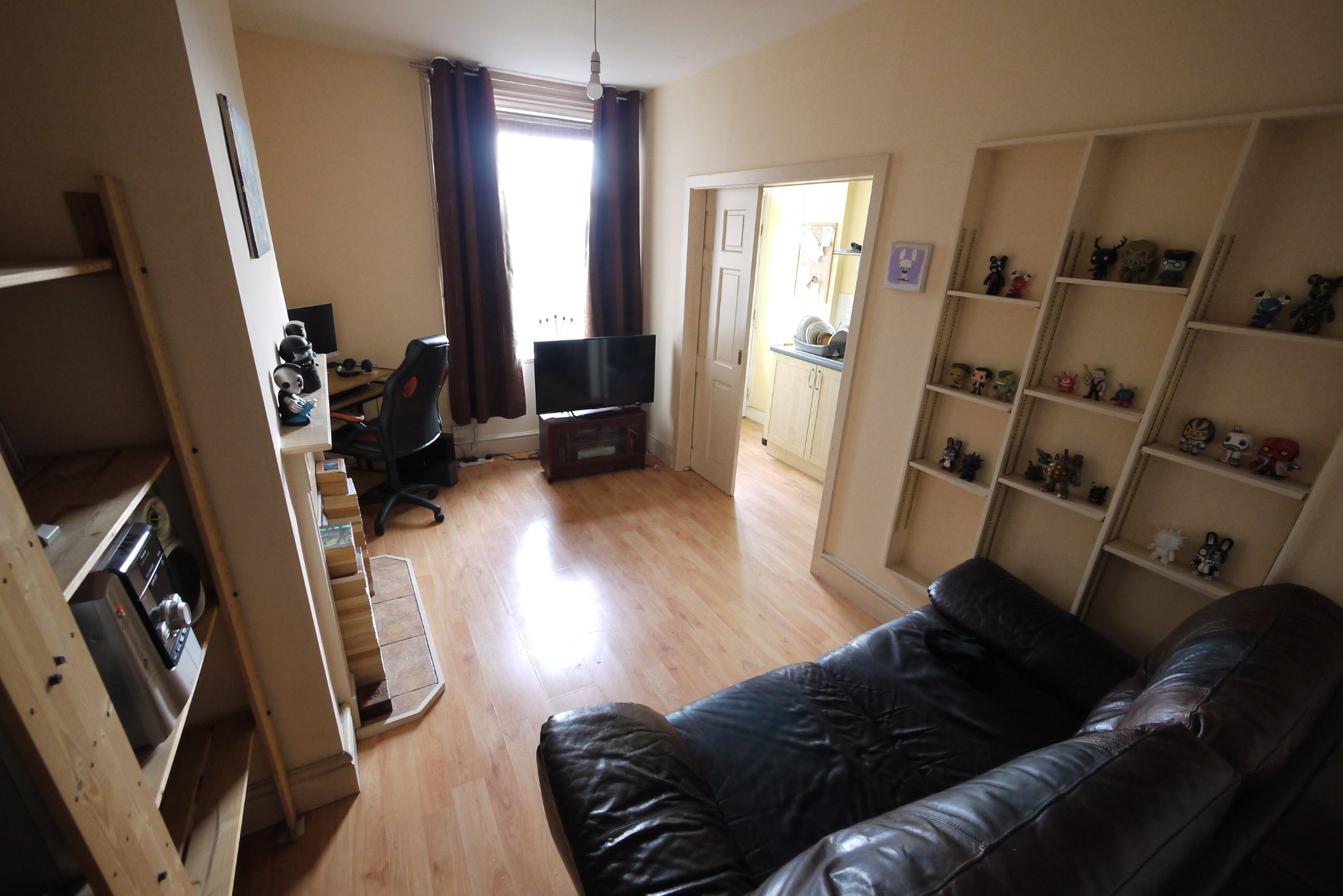 1 bedroom end terraced house SSTC in Brighouse - Photograph 4.