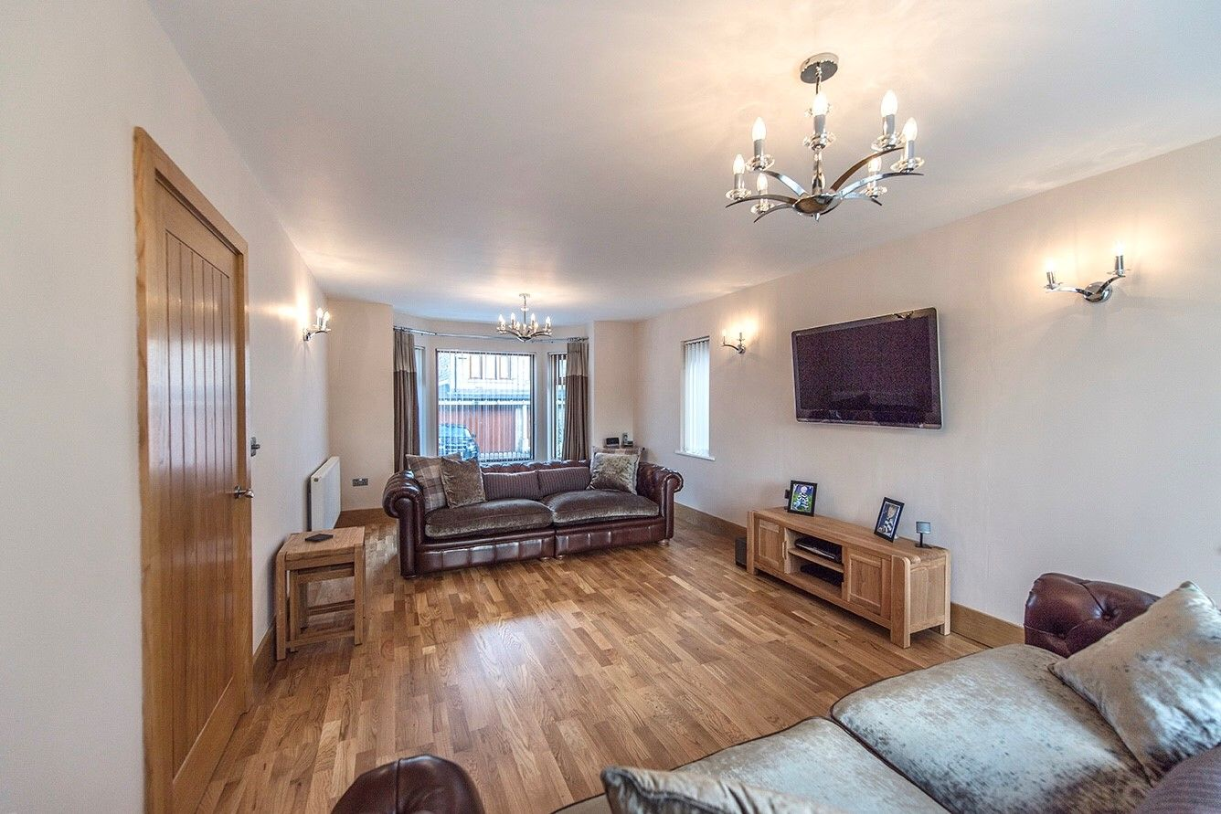 5 bedroom detached house SSTC in Halifax - Lounge.