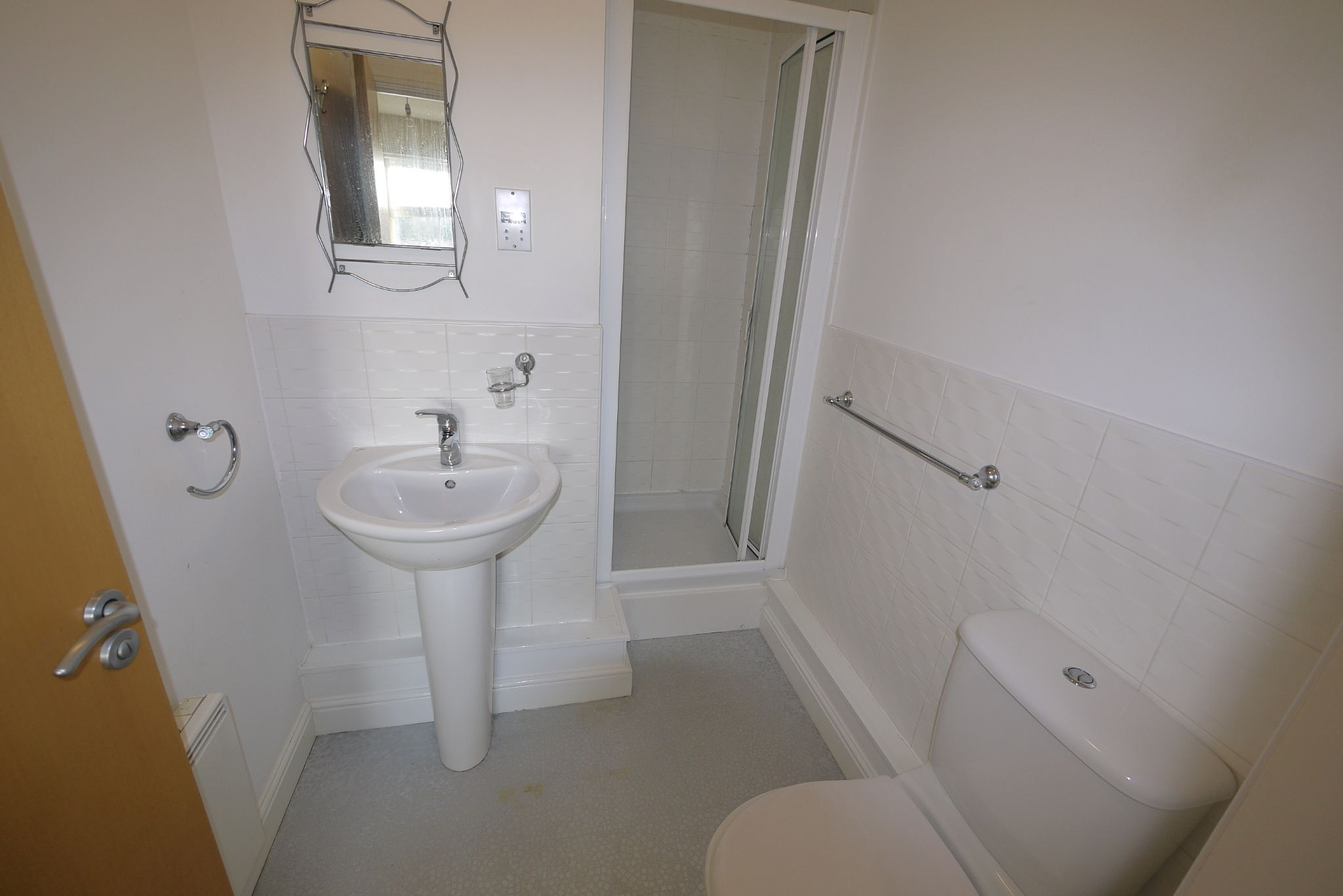 2 bedroom apartment flat/apartment For Sale in Brighouse - Ensuite.