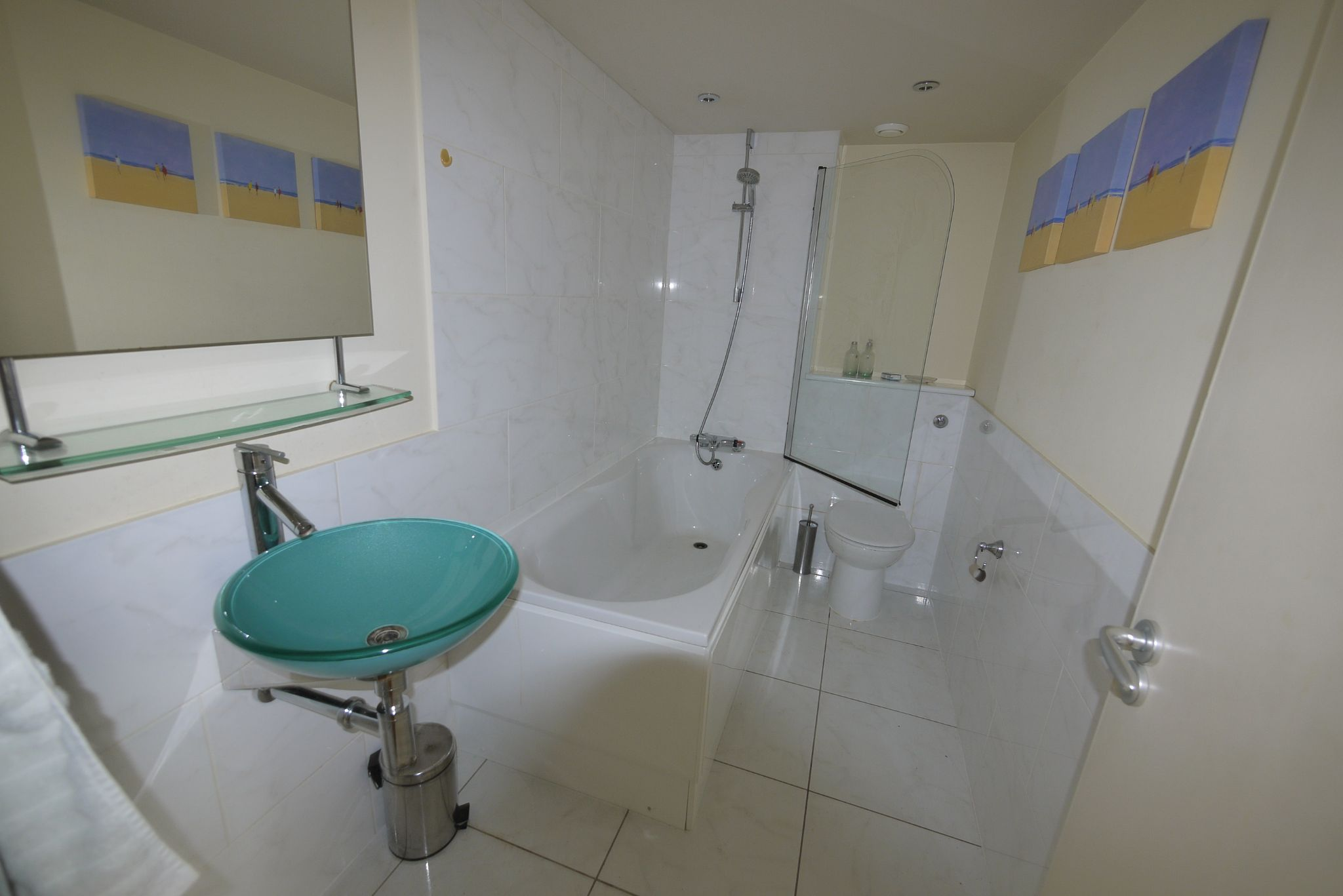 1 bedroom apartment flat/apartment SSTC in Brighouse - Bathroom.