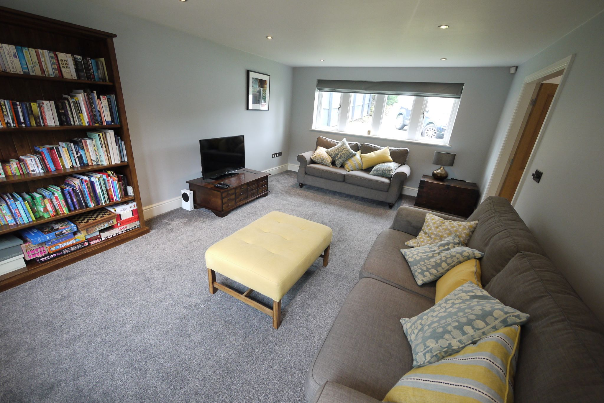 4 bedroom detached house For Sale in Brighouse - Photograph 4.