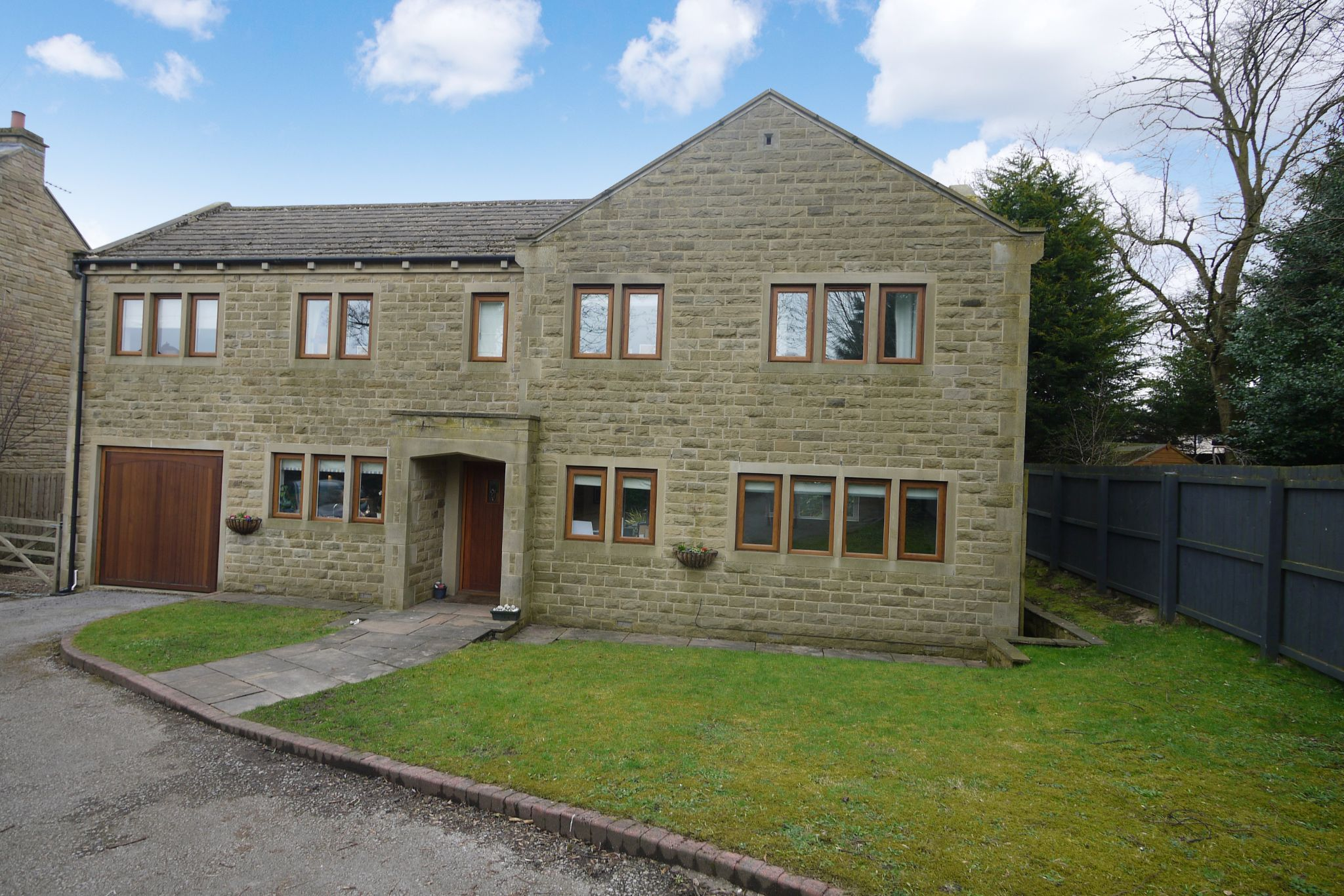 4 bedroom detached house For Sale in Brighouse - Photograph 14.