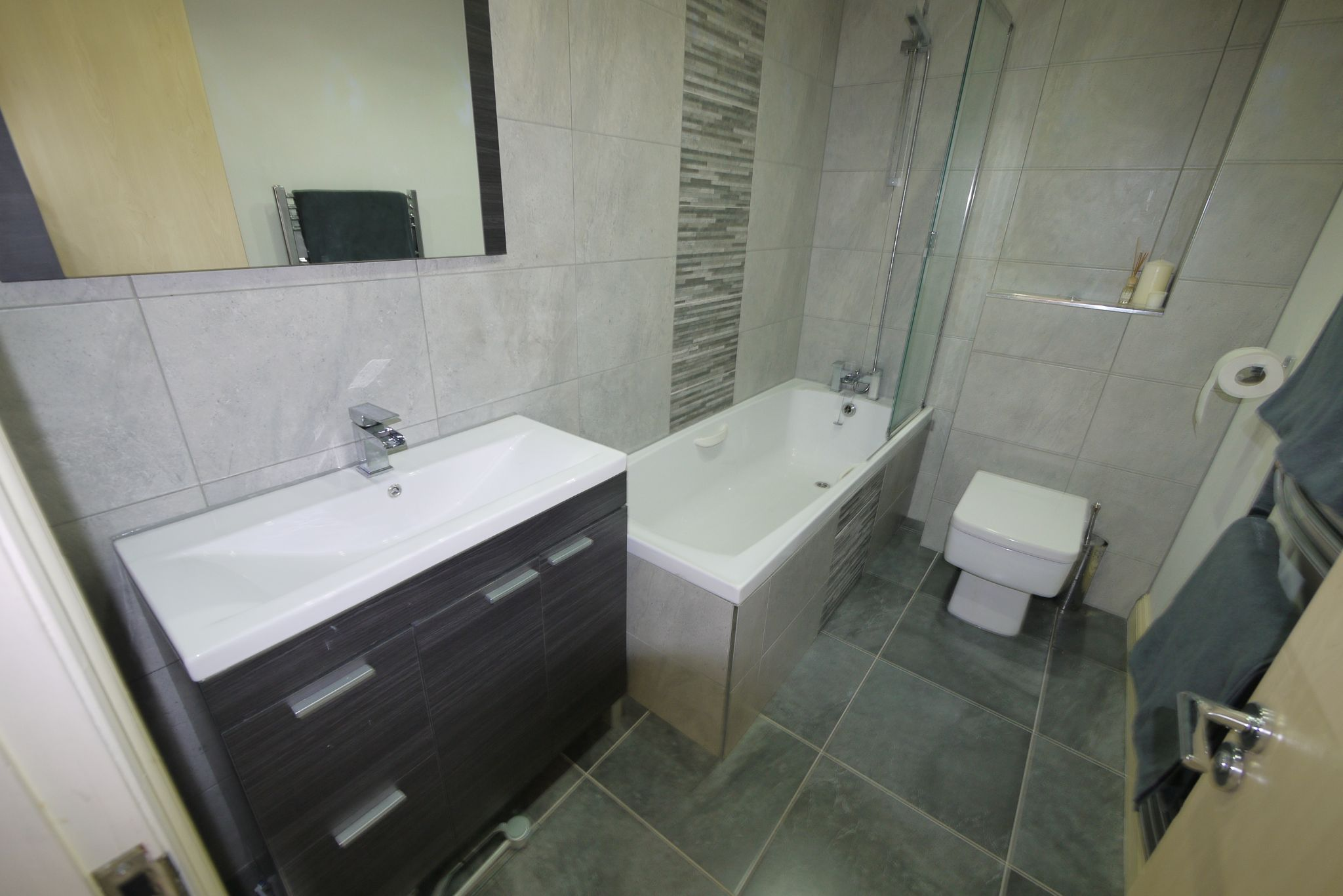 4 bedroom town house SSTC in Brighouse - Bathroom.