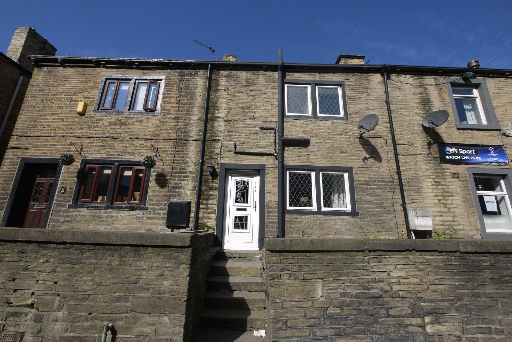 1 bedroom cottage house SSTC in Brighouse - Main.