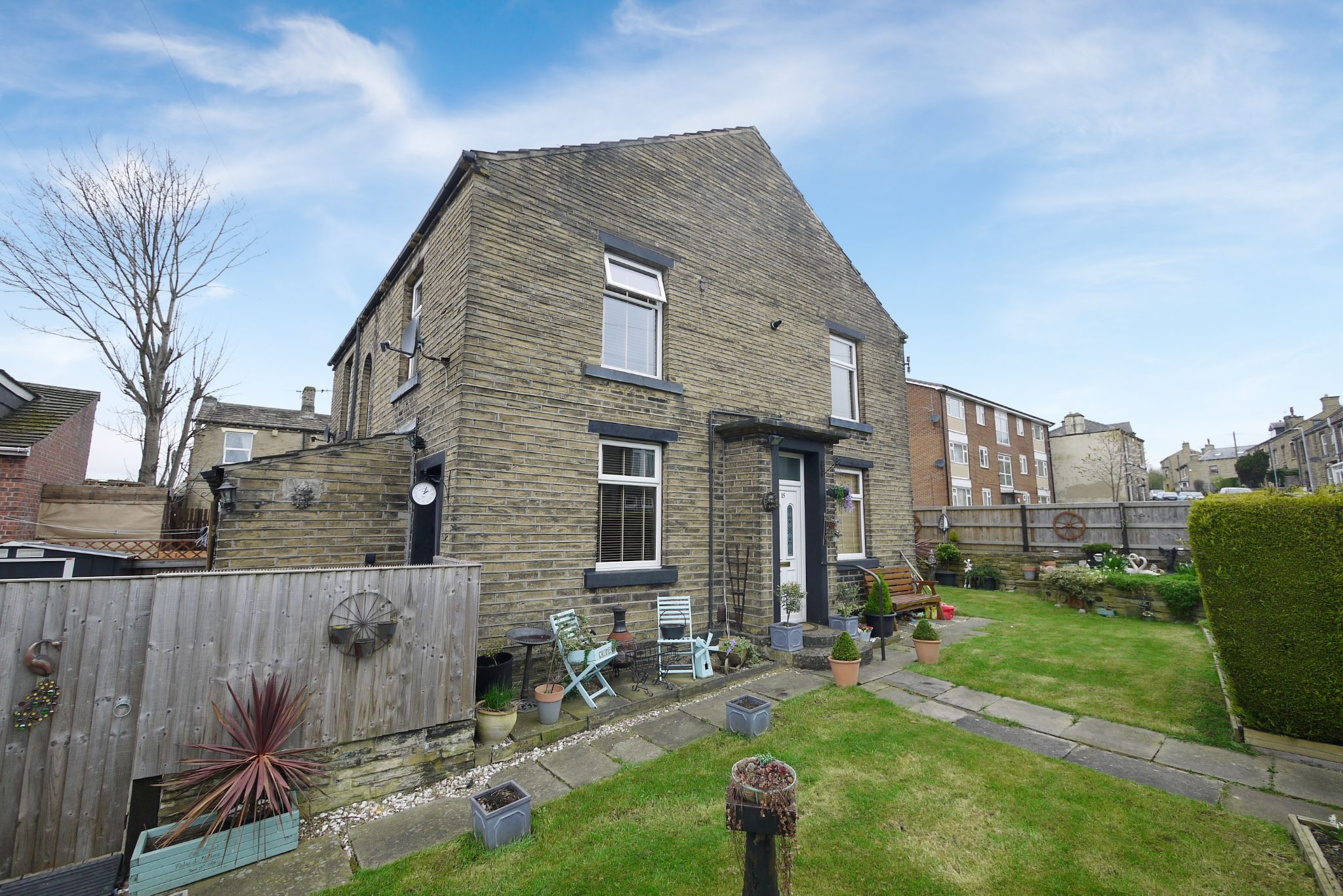 2 bedroom end terraced house SSTC in Brighouse - Photograph 1.