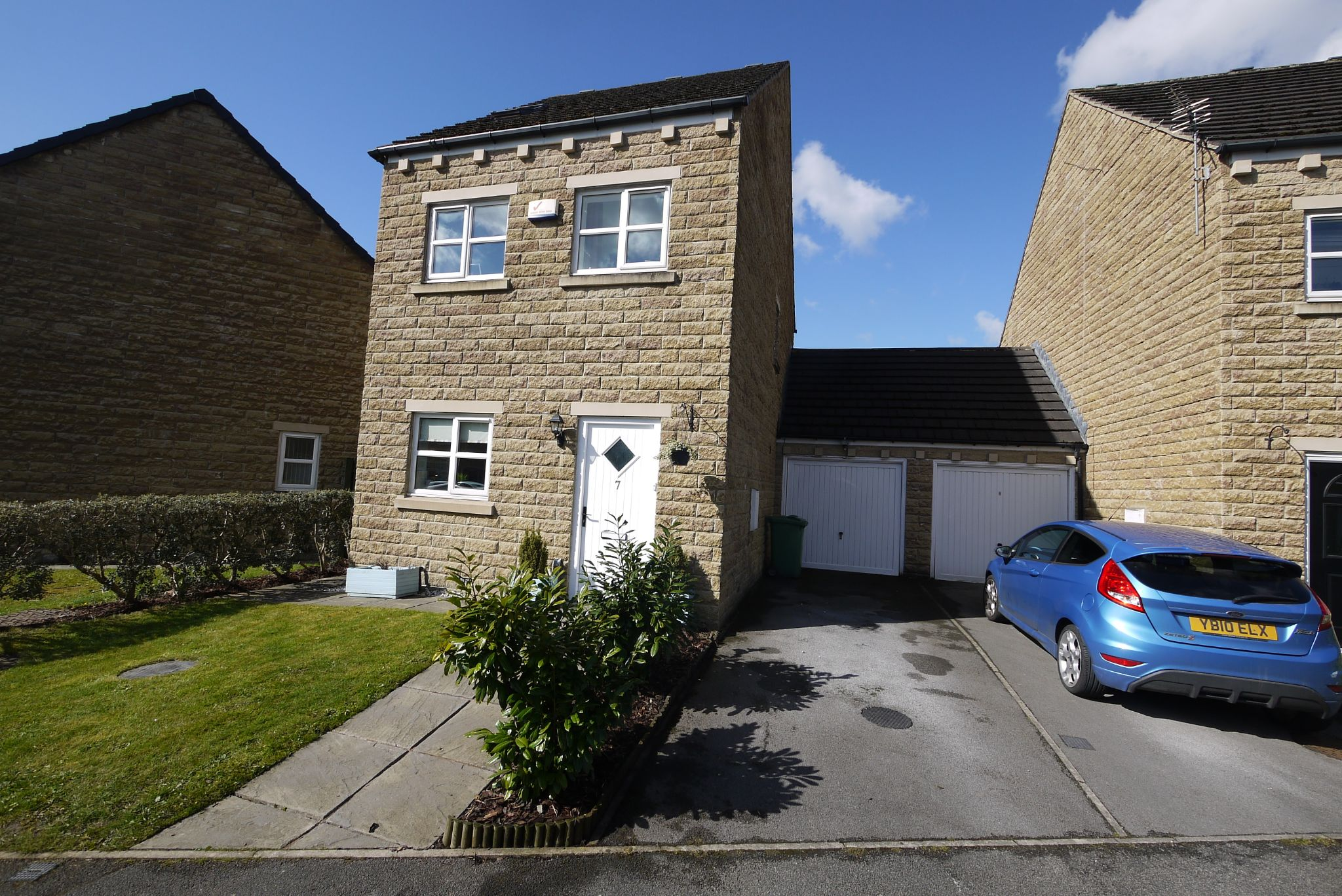 3 bedroom link detached house SSTC in Huddersfield - Photograph 1.