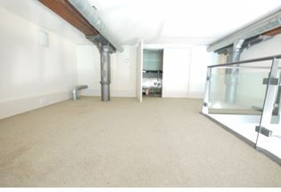 1 bedroom apartment flat/apartment Let Agreed in Brighouse - Storage area.