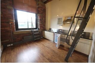 1 bedroom apartment flat/apartment Let Agreed in Brighouse - Living Area.