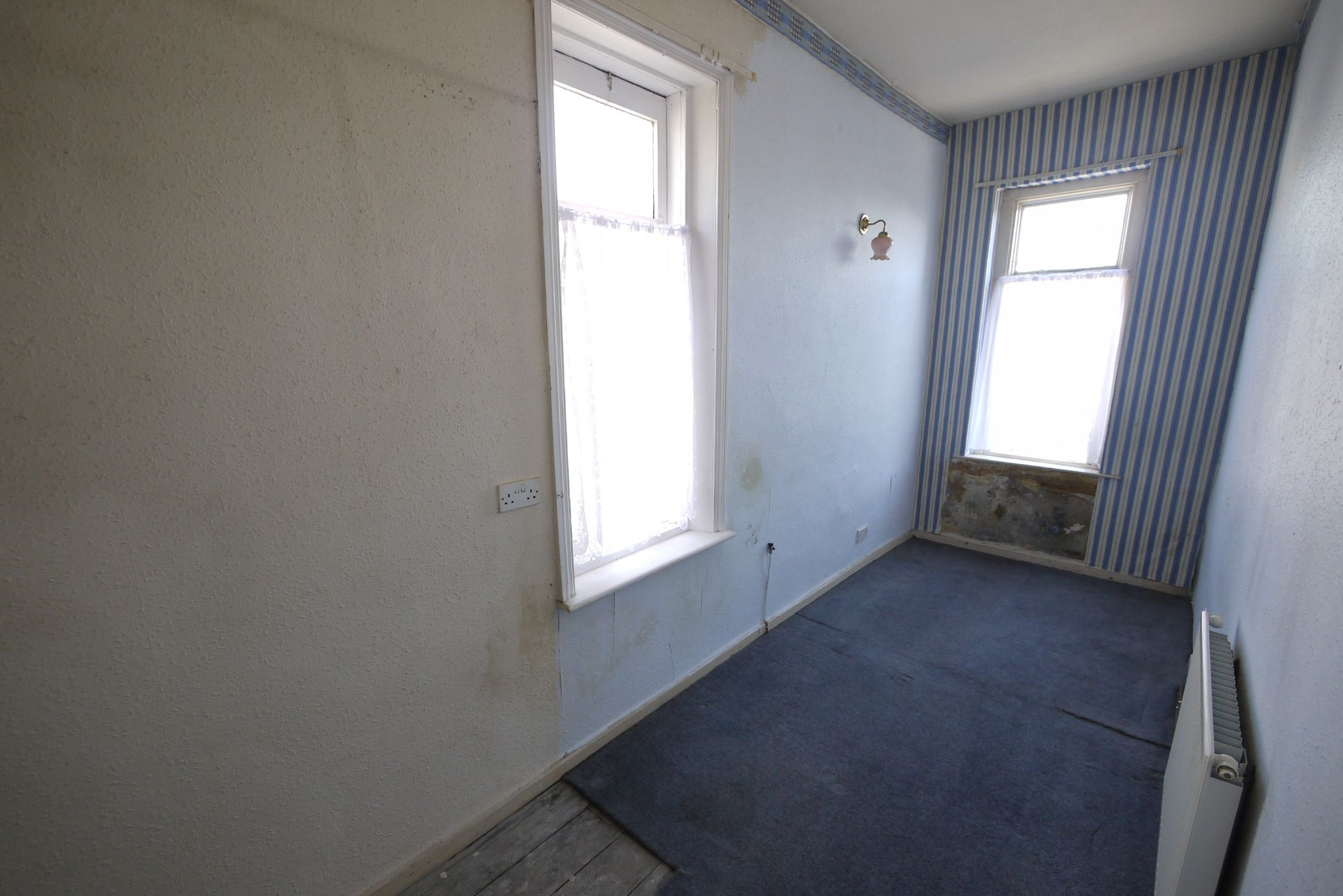 1 bedroom end terraced house SSTC in Brighouse - Bedroom 2.