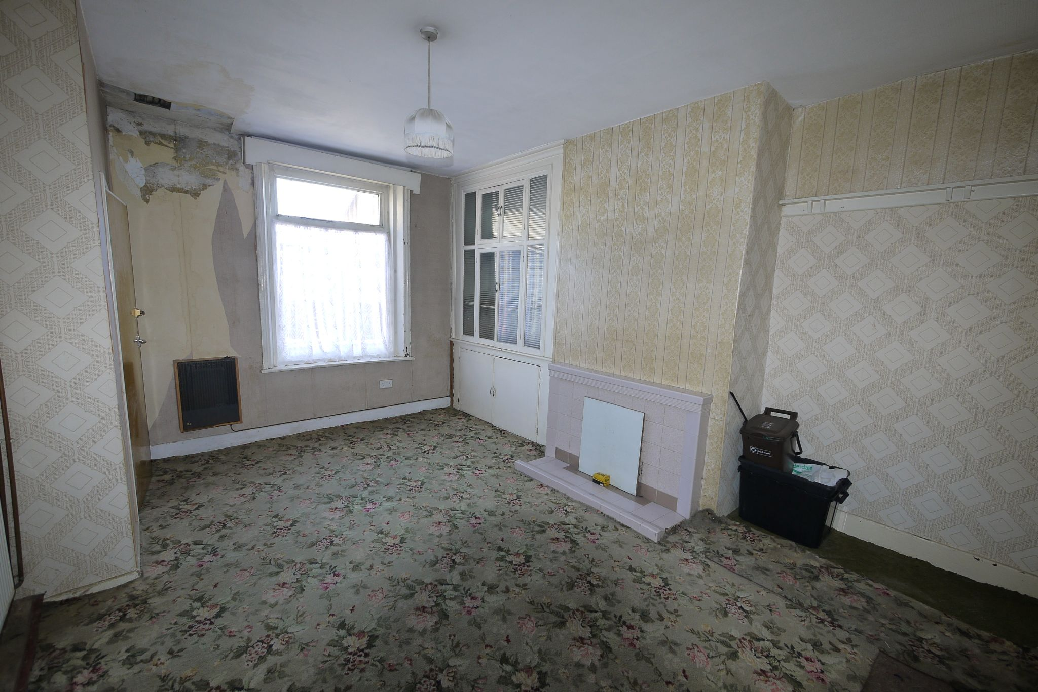 1 bedroom end terraced house SSTC in Brighouse - Lounge 2.