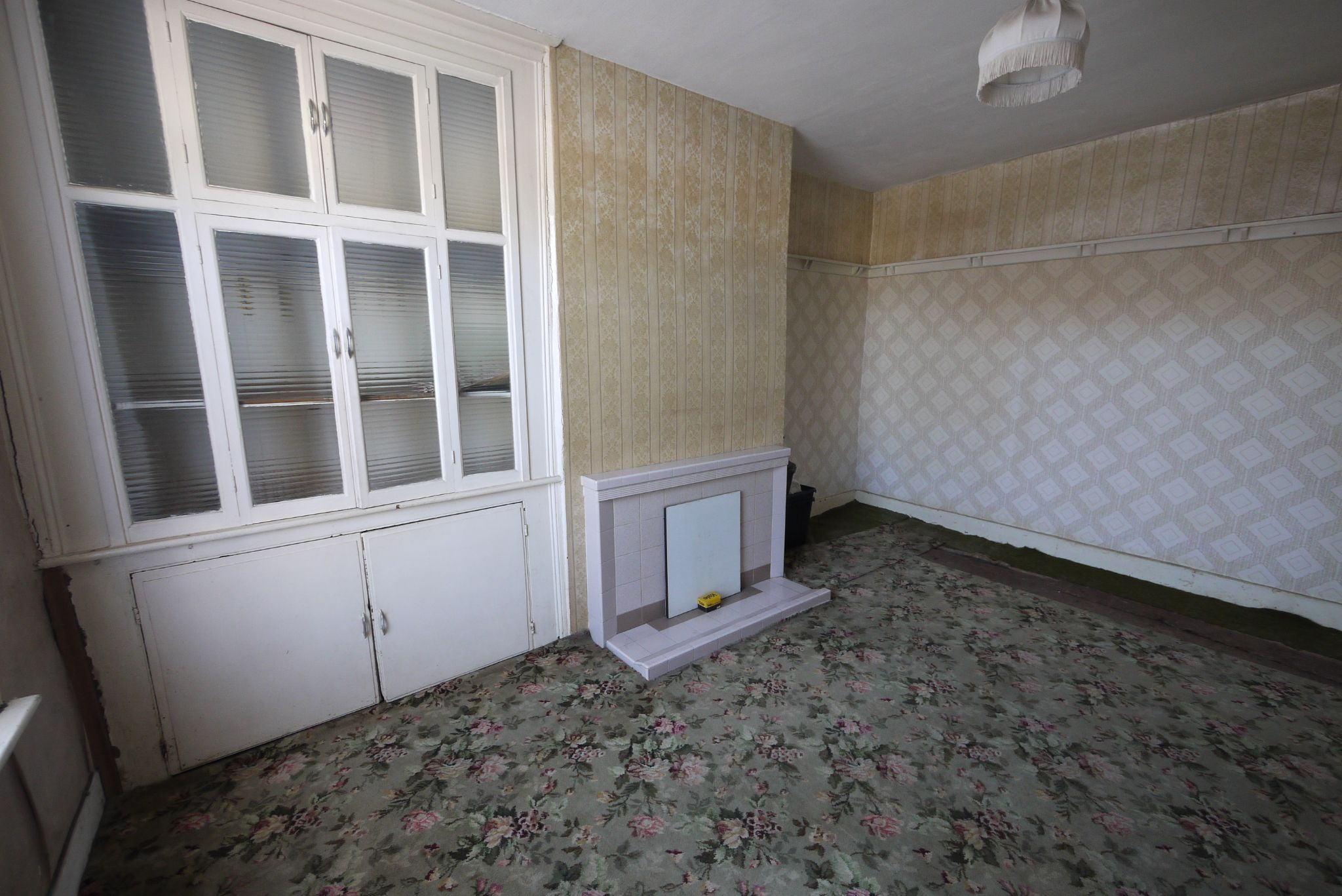 1 bedroom end terraced house SSTC in Brighouse - Lounge.