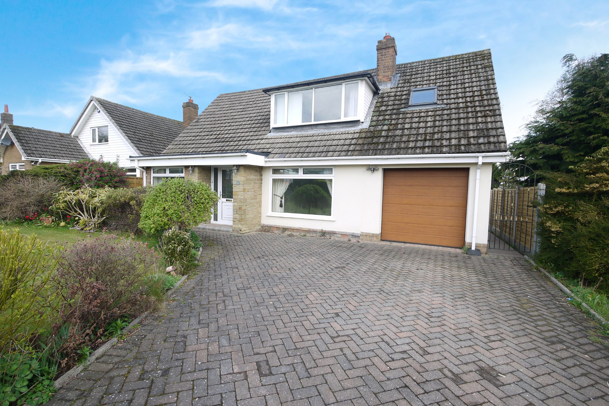 3 bedroom detached house SSTC in Brighouse - Photograph 17.