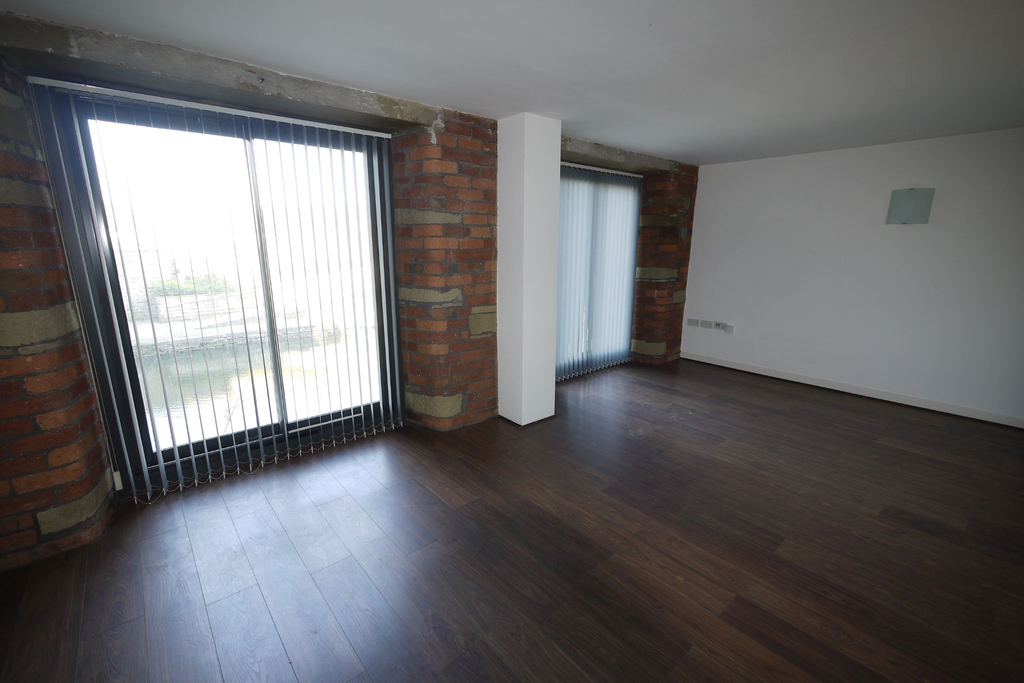 1 bedroom ground floor flat/apartment SSTC in Brighouse - Photograph 4.